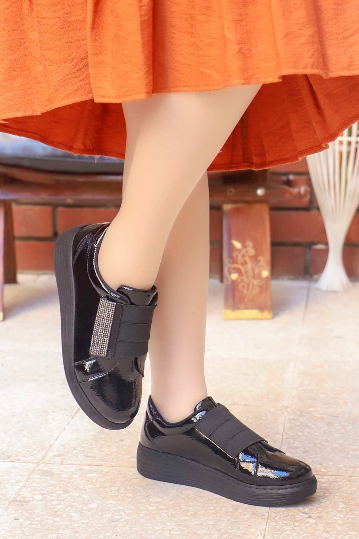 mami-066 Lastik Taş Detay Spor Ayakkabı Siyah Rugan