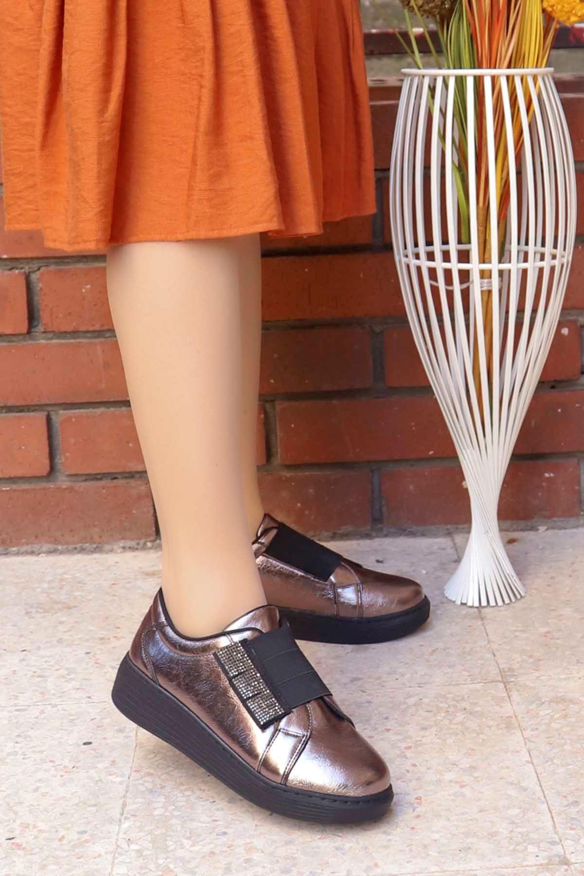 mami-066 Lastik Taş Detay Spor Ayakkabı Platin Deri