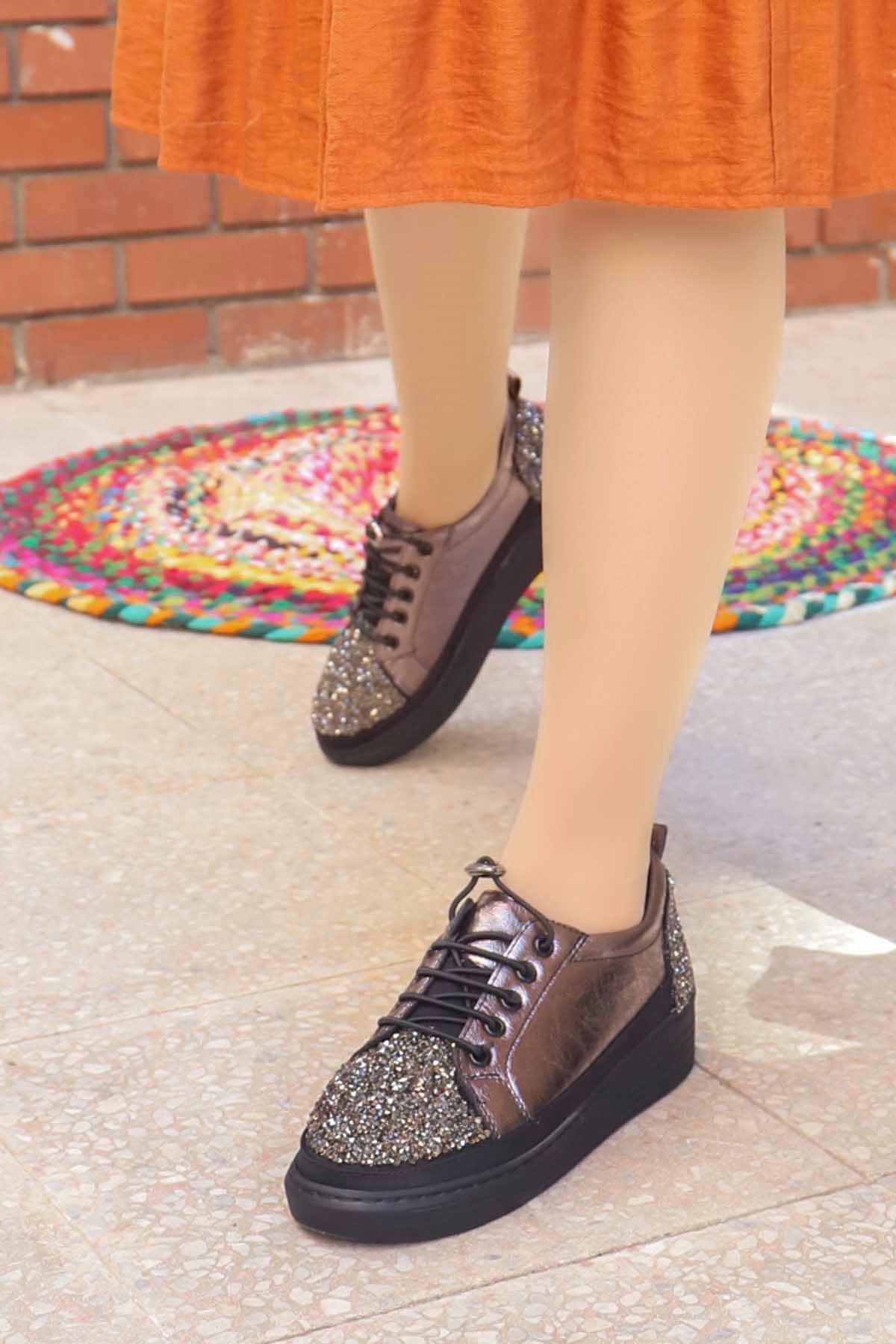 mami-077 Taş Detay Spor Ayakkabı Platin Deri