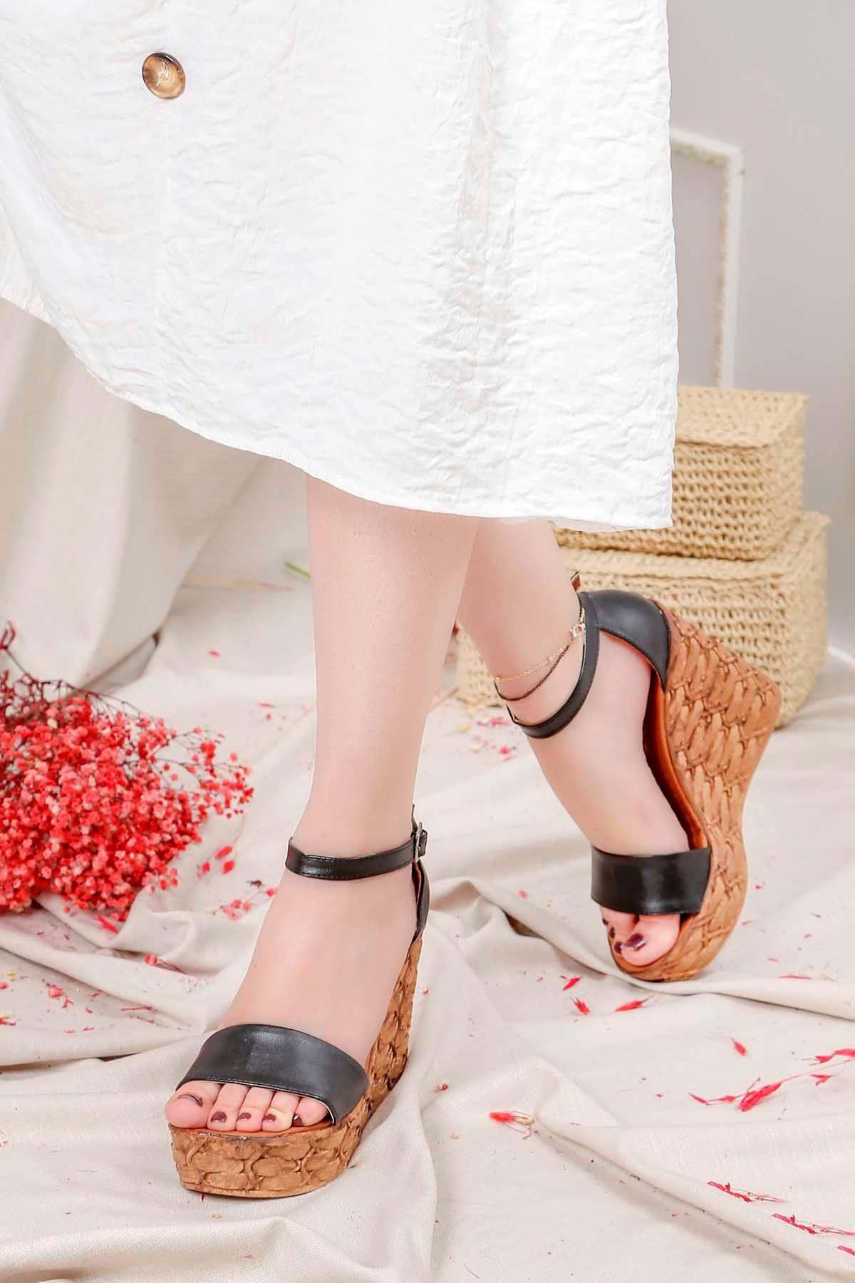 Frm-001 Yüksek Taban Sandalet Siyah Deri