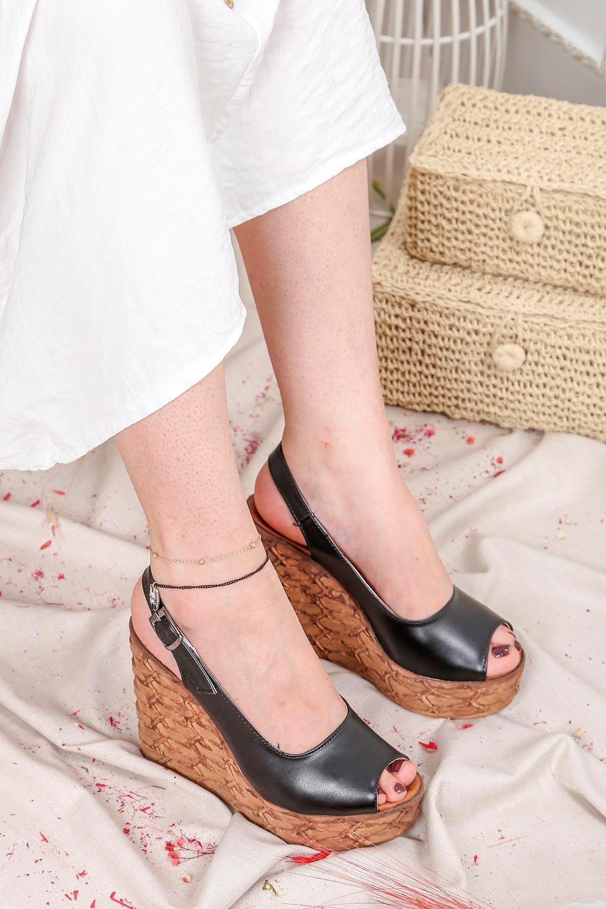 Frm-002 Yüksek Taban Sandalet Siyah Deri