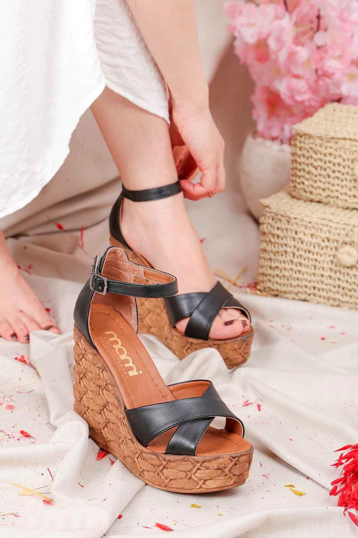 Frm-003 Yüksek Taban Sandalet Siyah Deri