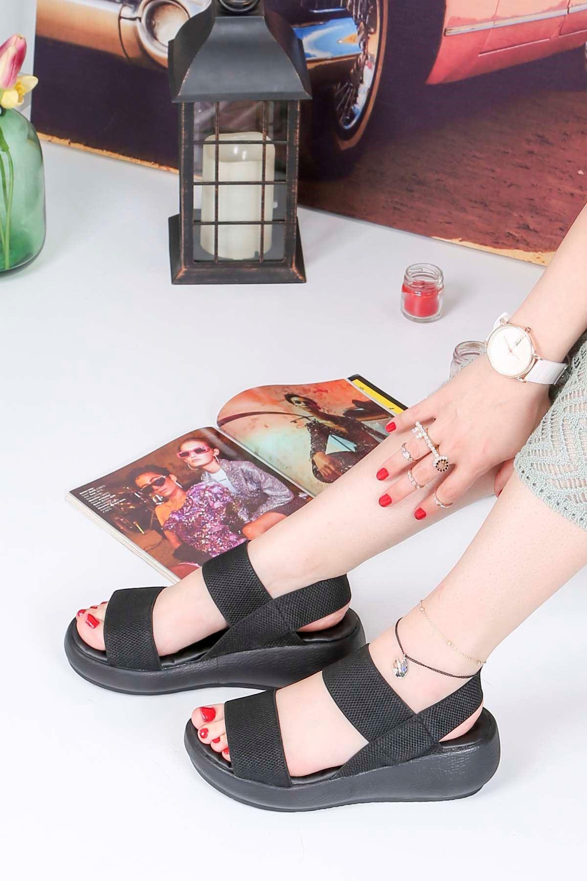 Bella-Dolgu Taban Lastikli Sandalet Siyah