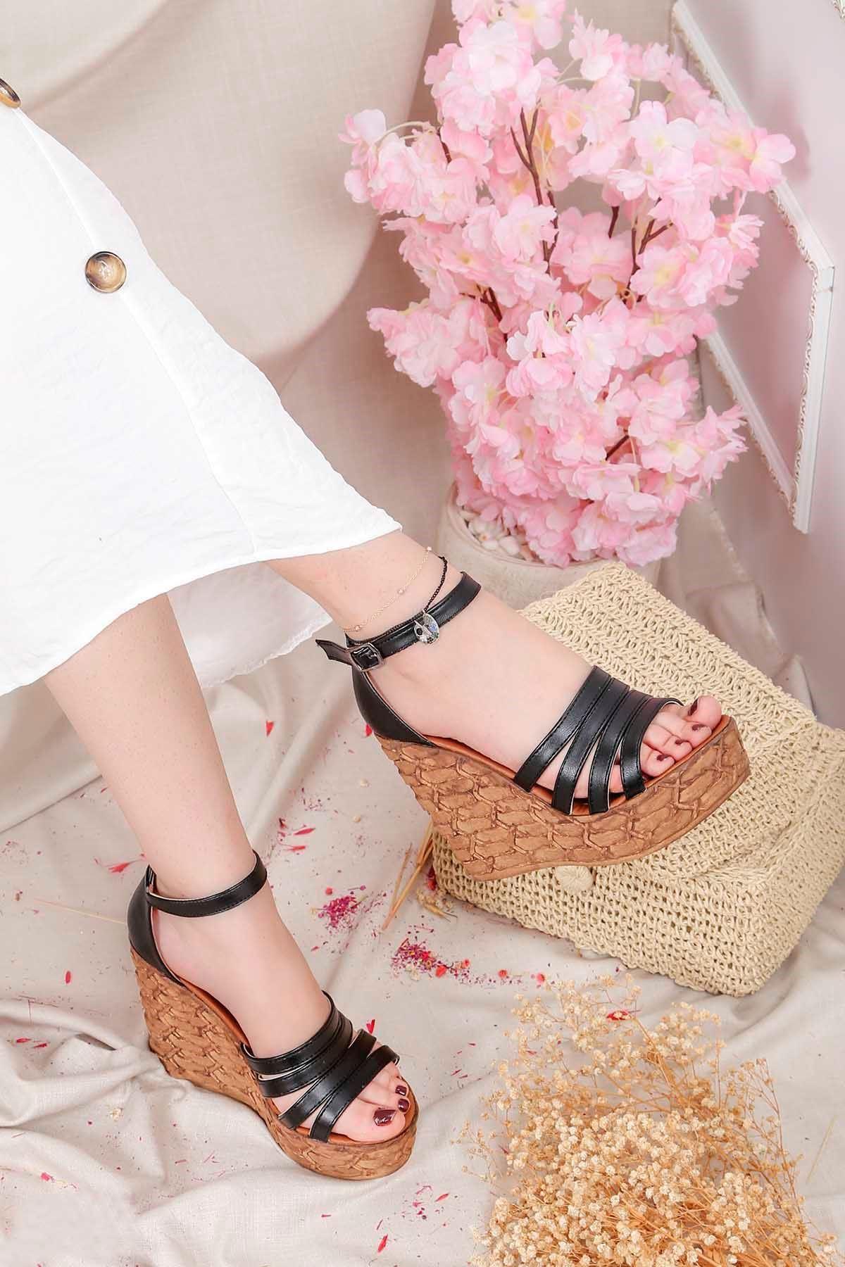 Frm-004 Yüksek Taban Sandalet Siyah Deri