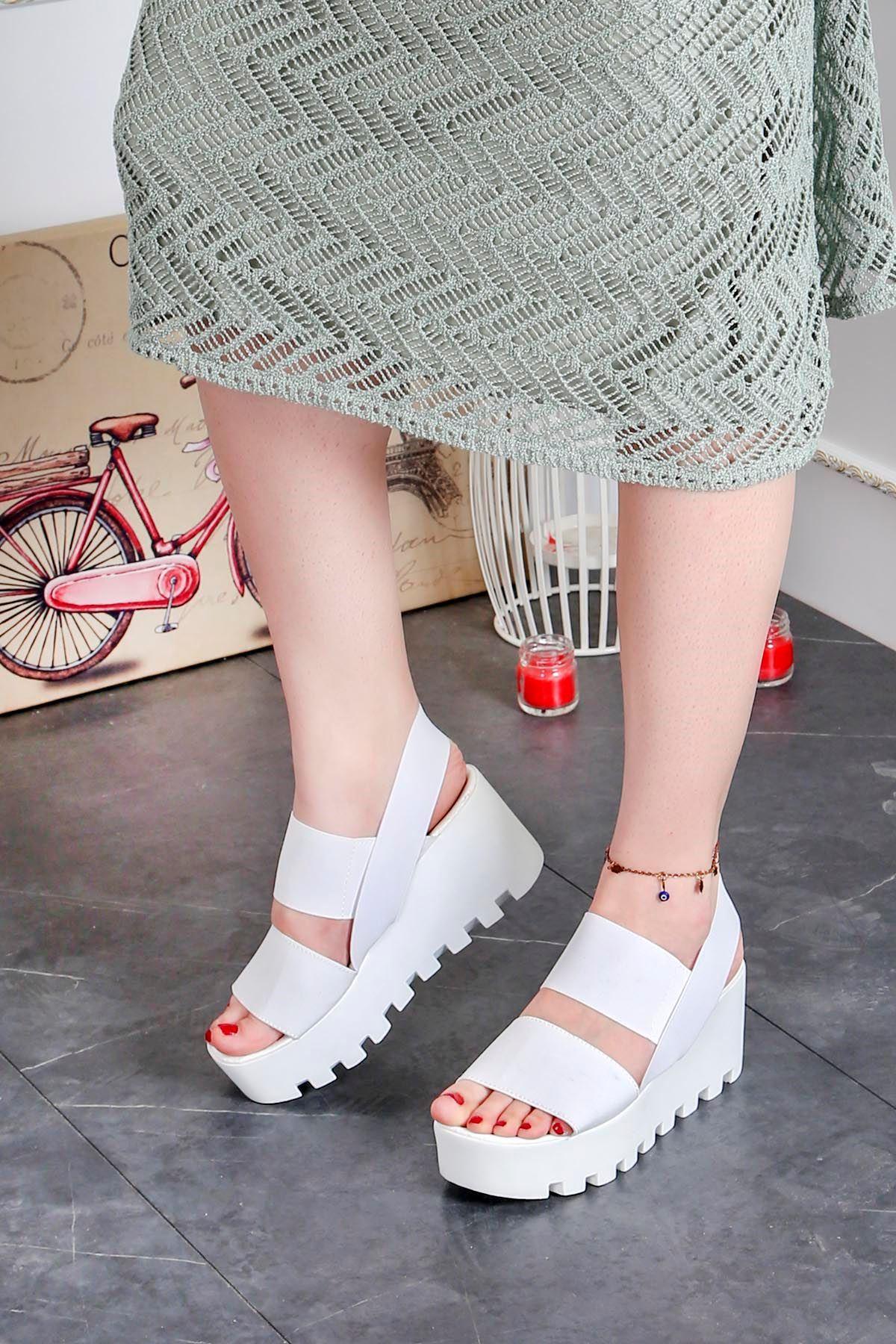 Ck-207 Lastikli Dolgu Taban Sandalet Beyaz