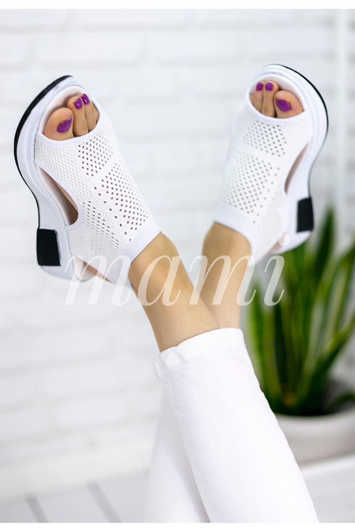 Soylu Triko Sandalet Beyaz