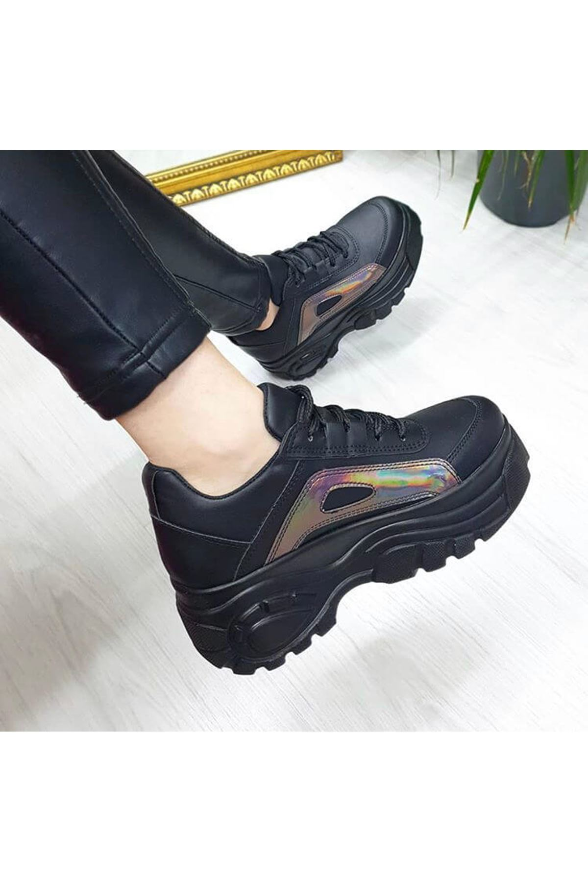 CK-107 Siyah Deri Hologram Detay Spor Ayakkabı