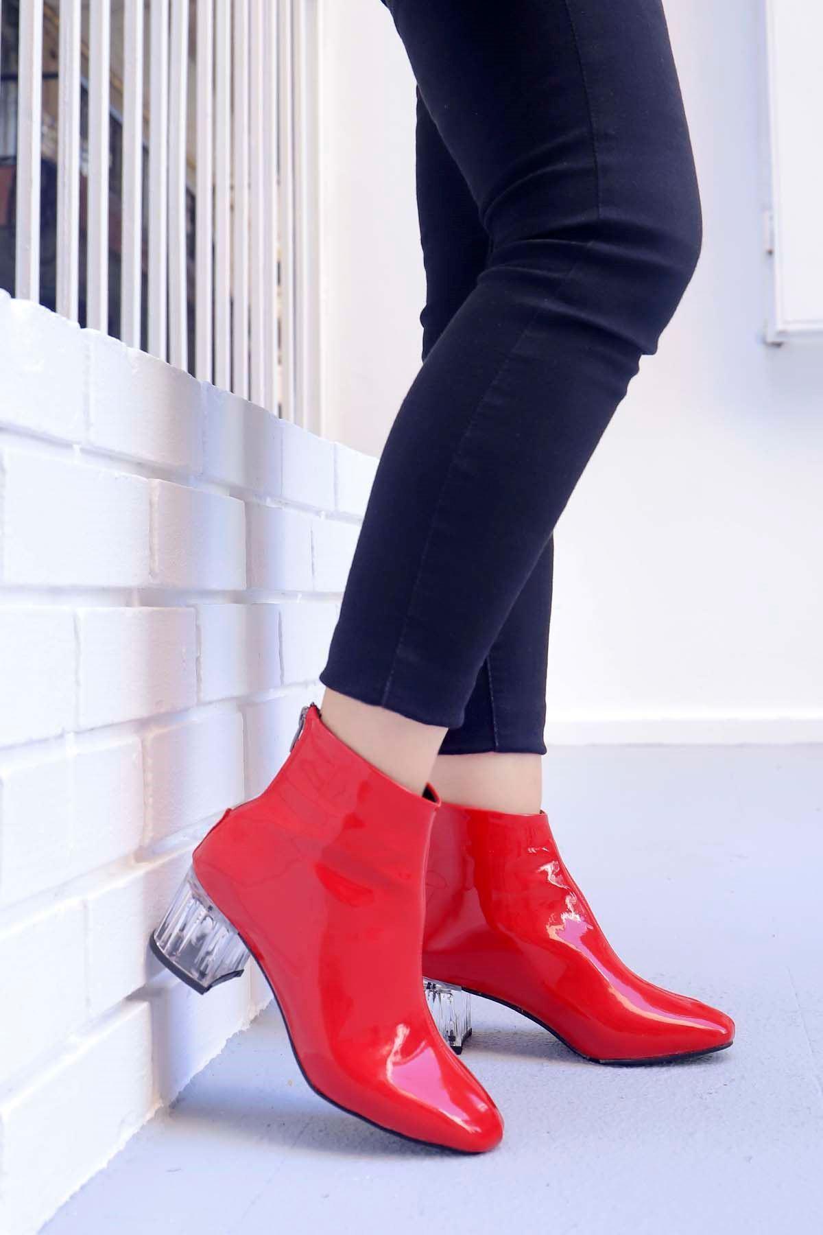 mami-Şeffaf Topuk Küt Burun Topuklu Bot Kırmızı Rugan