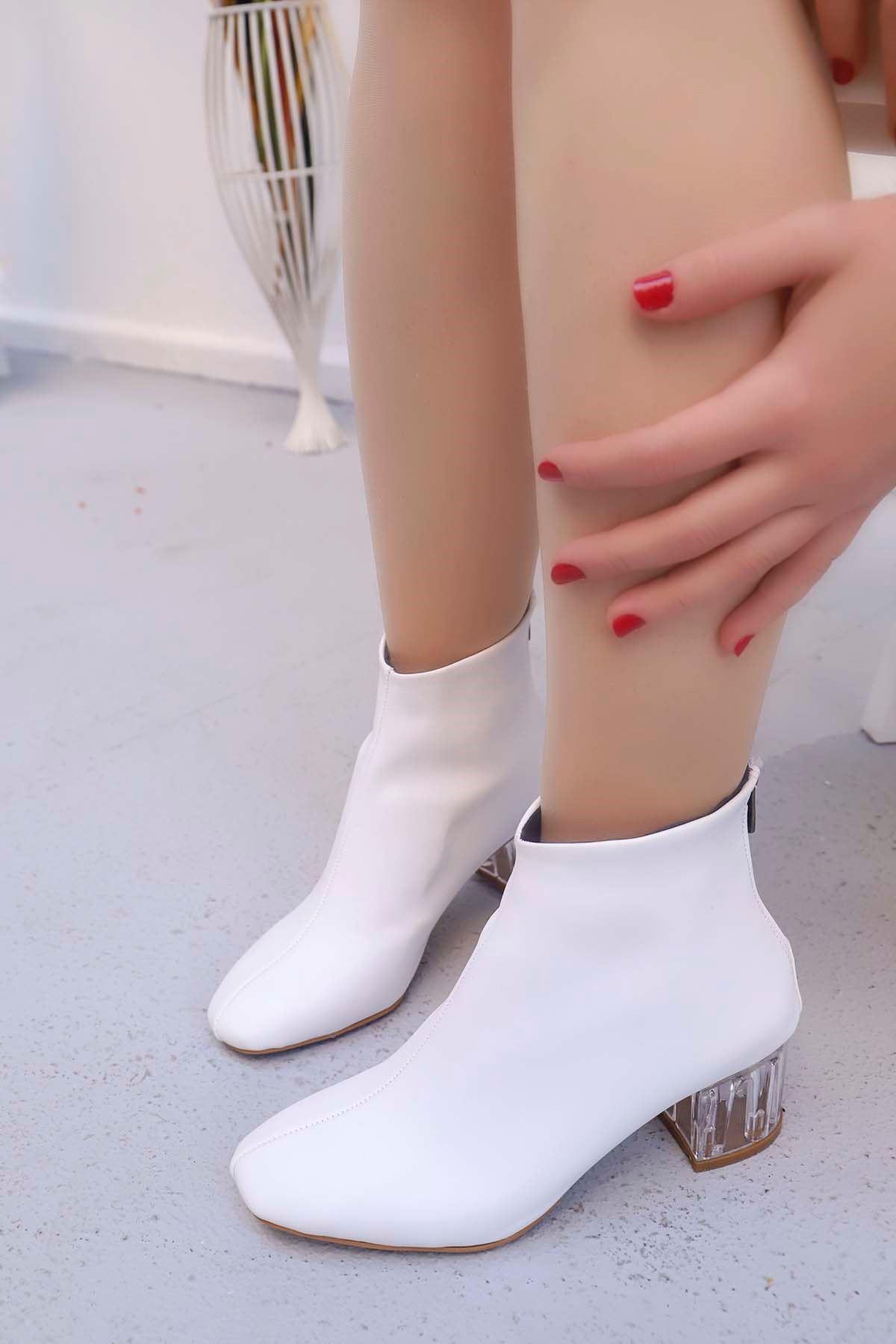 mami-Şeffaf Topuk Küt Burun Topuklu Bot Beyaz Deri