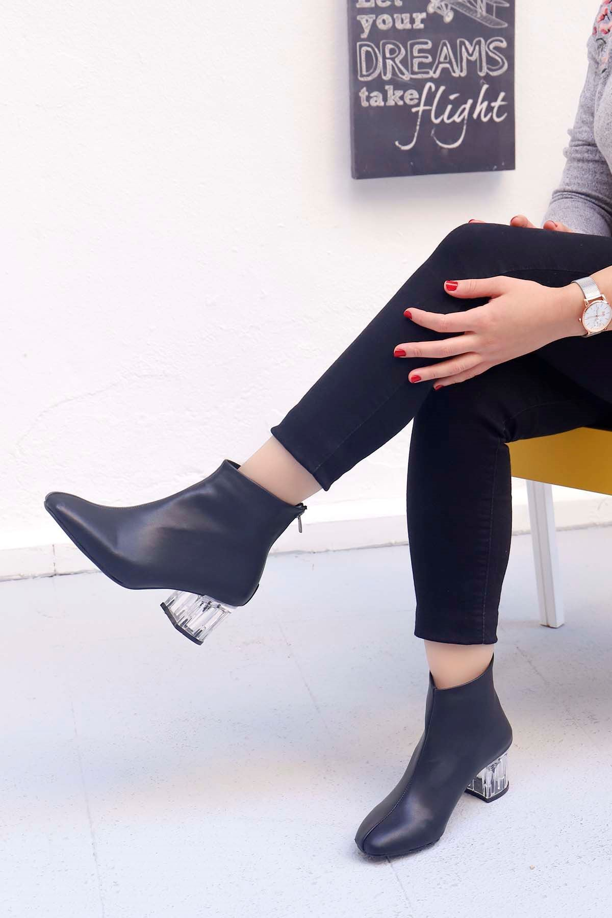 mami-Şeffaf Topuk Küt Burun Topuklu Bot Siyah Deri