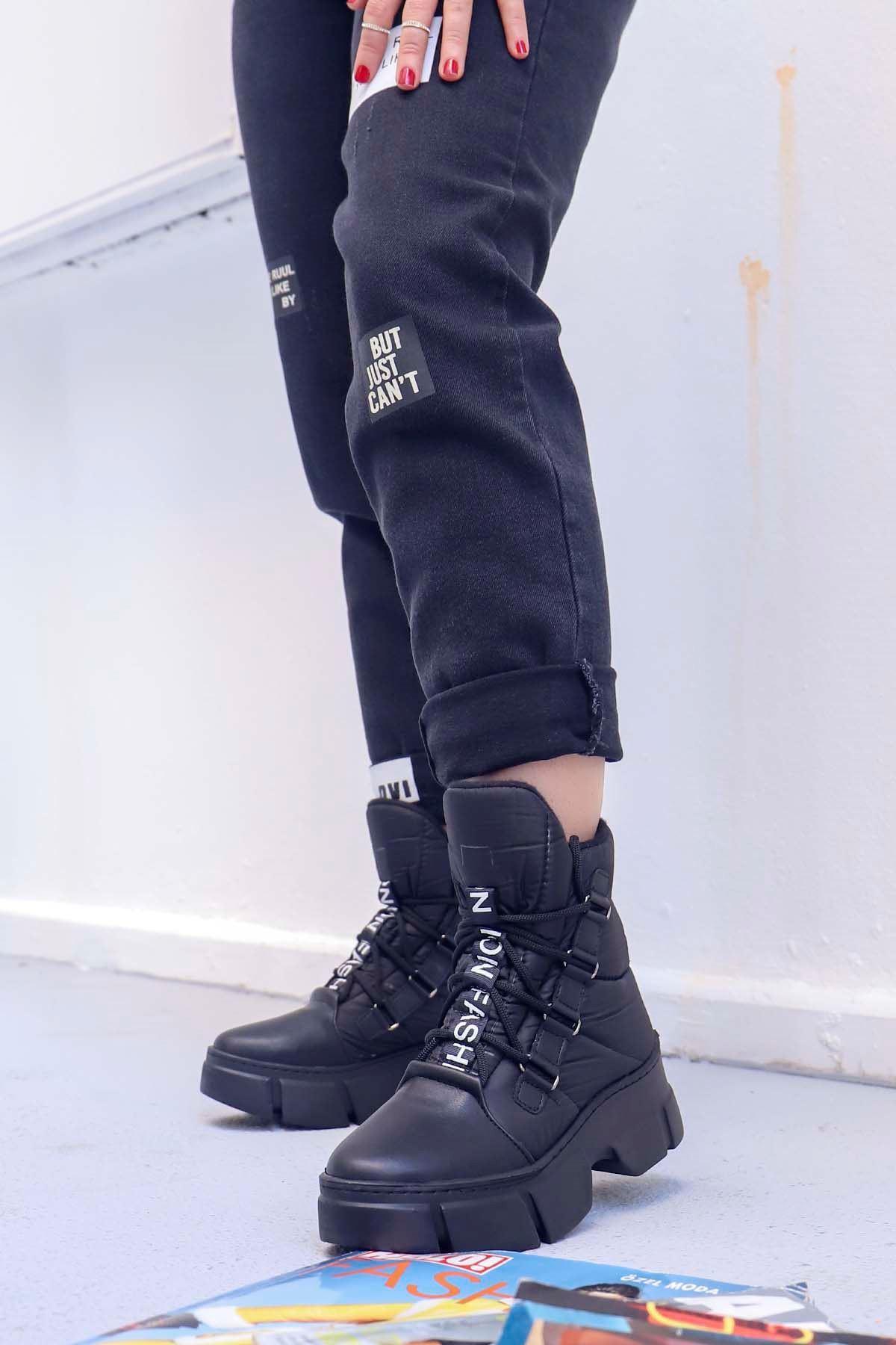 My-107 Fashion Tabanlı Bot Siyah