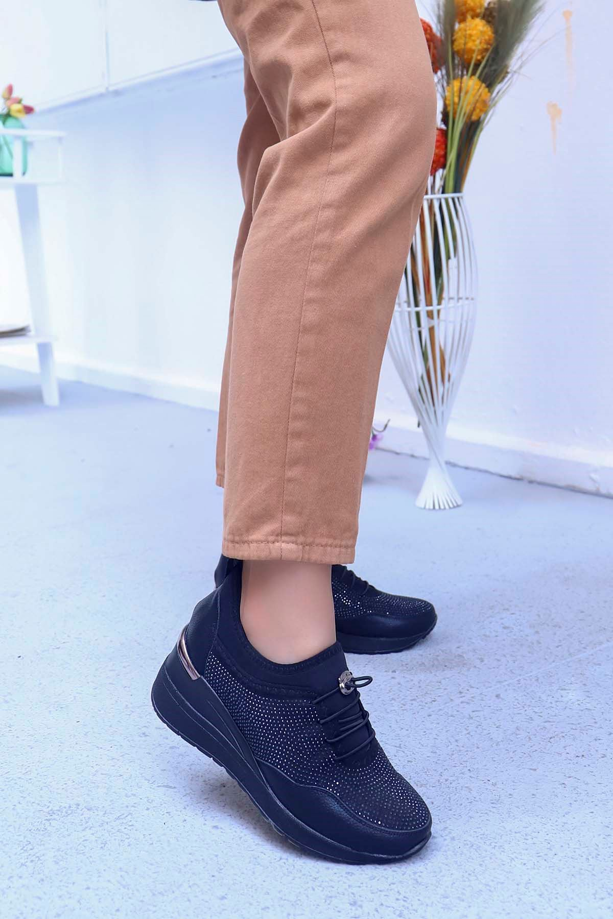 Garen Dolgu Taban Taş Detay Ayakkabı Siyah