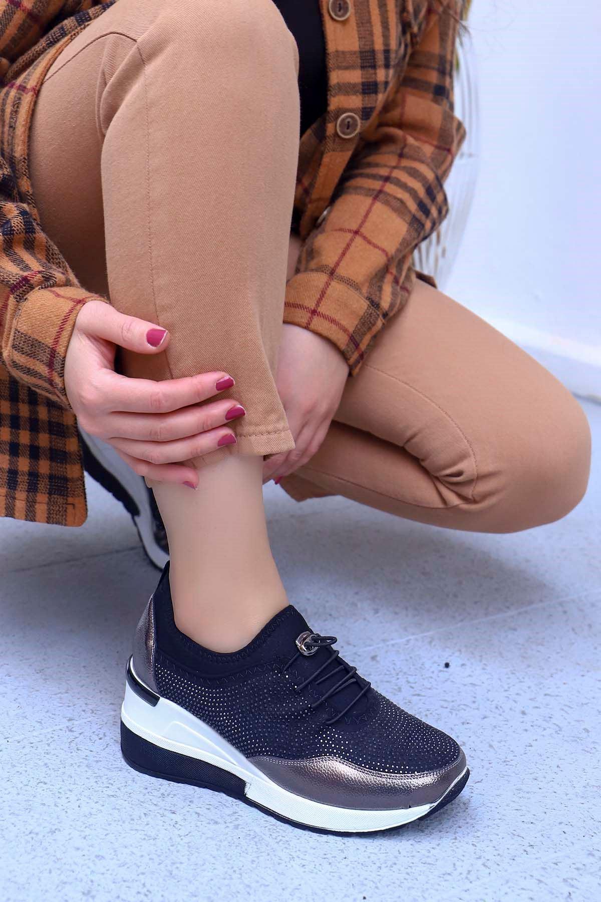 Garen Dolgu Taban Taş Detay Ayakkabı Platin