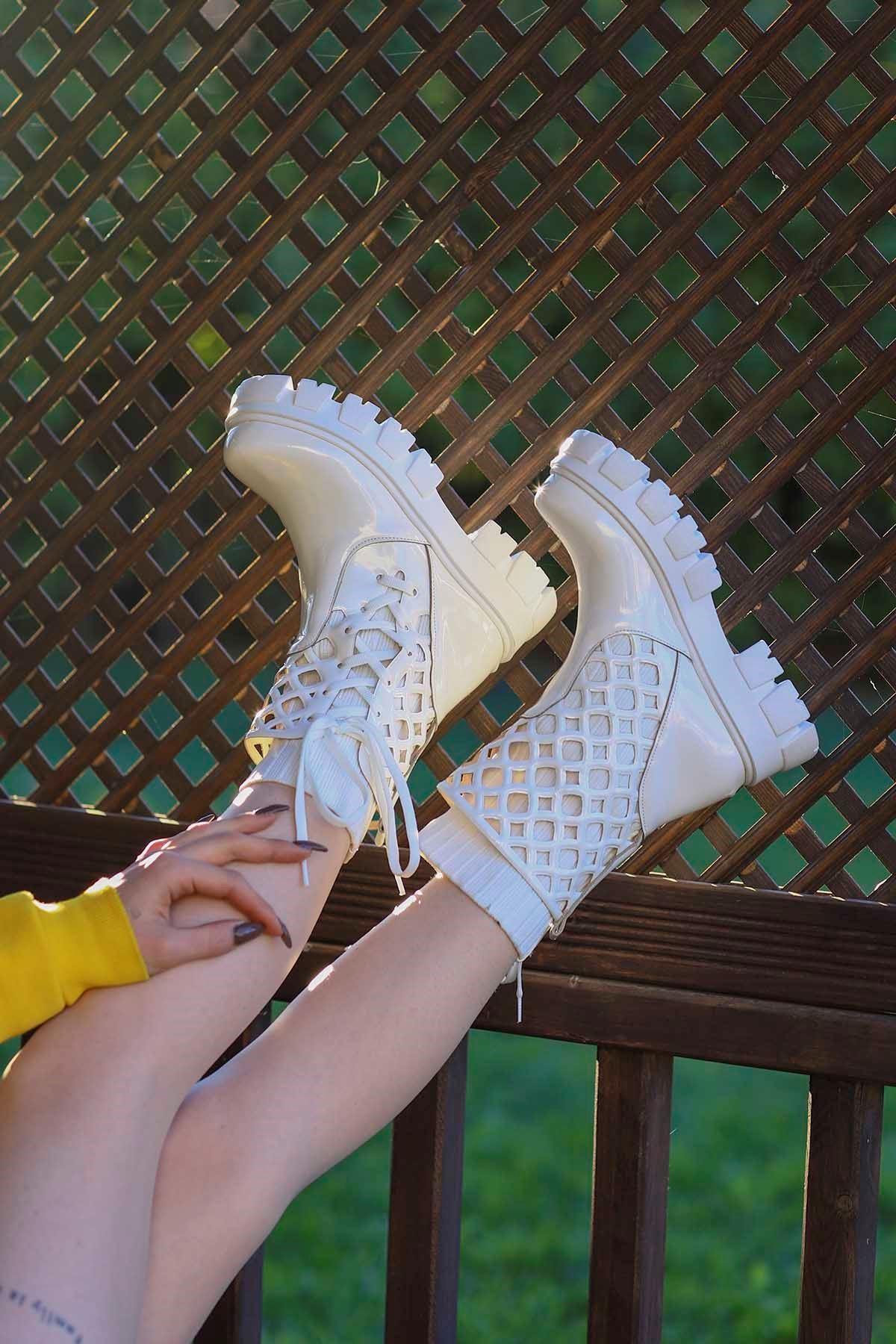 Kcl-255 Çorap Triko Bot Beyaz Rugan