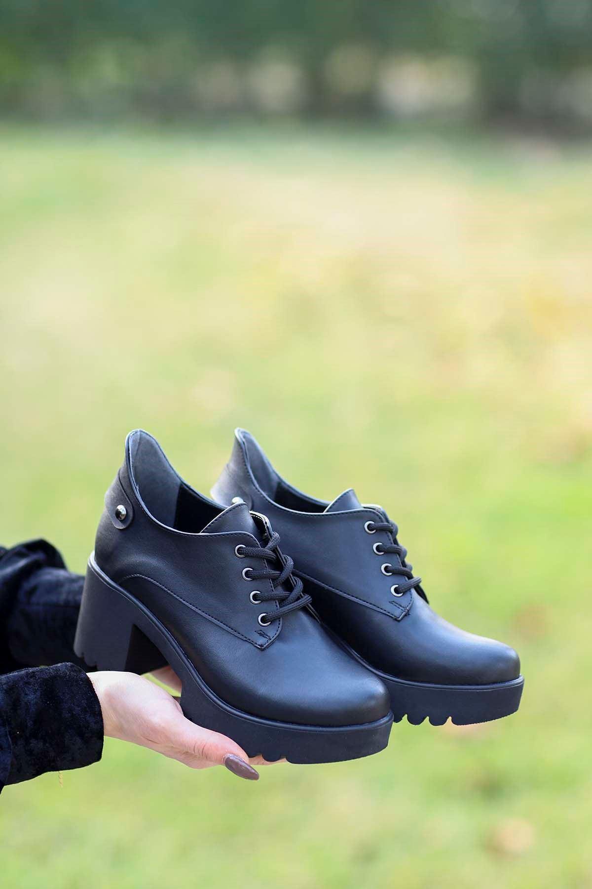 Mami-5654 Topuklu Ayakkabı Siyah Deri