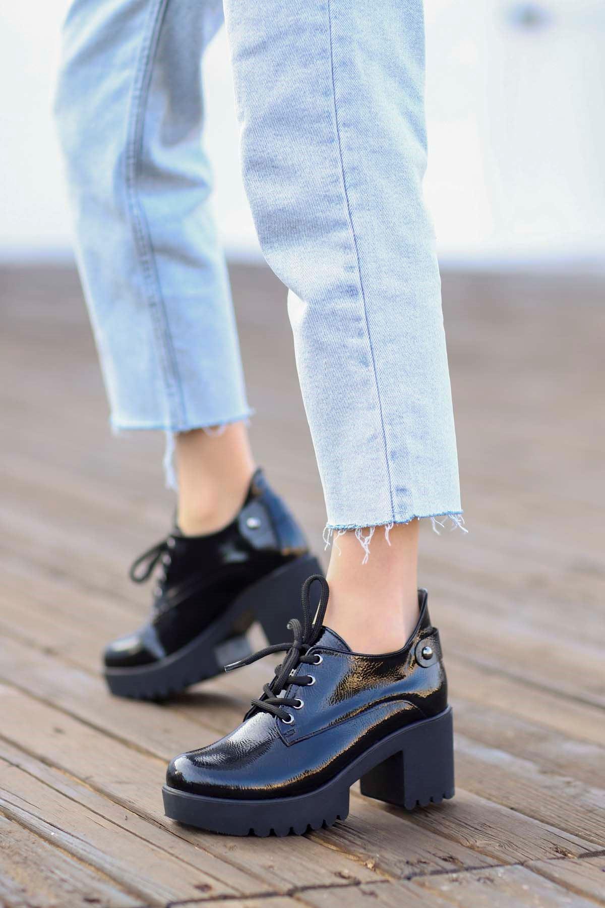Mami-5654 Topuklu Ayakkabı Siyah Rugan