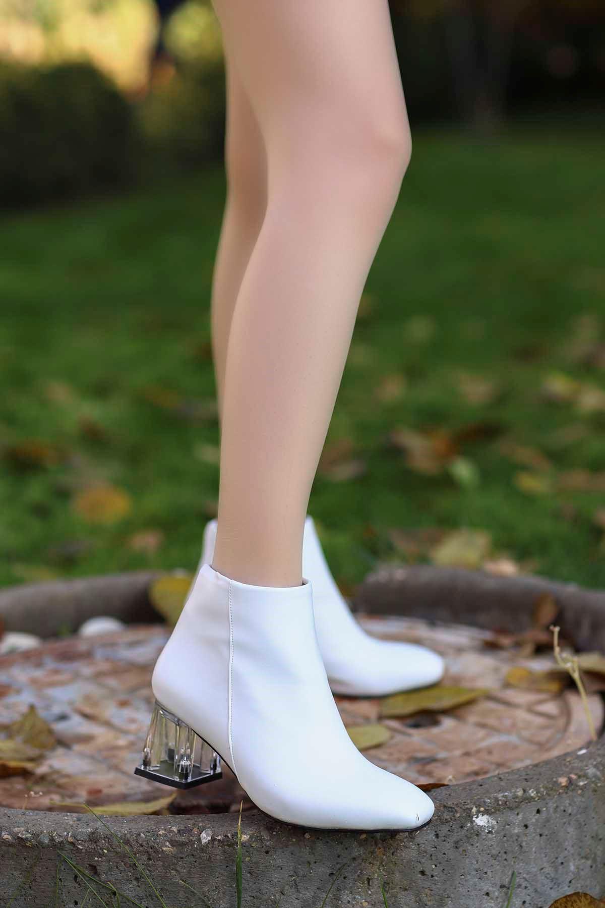 My-710 Küt Burun Şeffaf Topuklu Bot Beyaz Deri