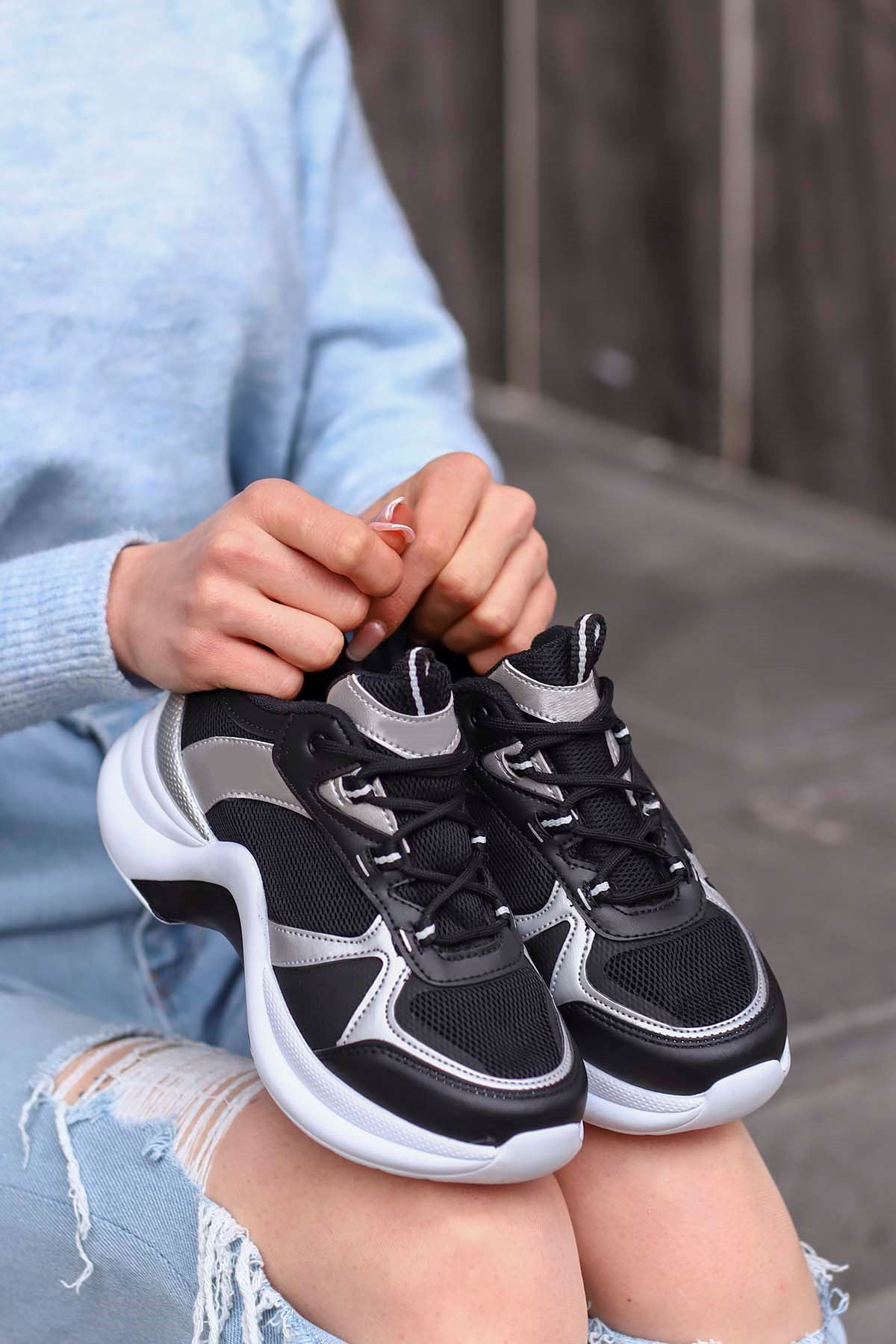Tny-01 Tabanlı Spor Ayakkabı Siyah Gri