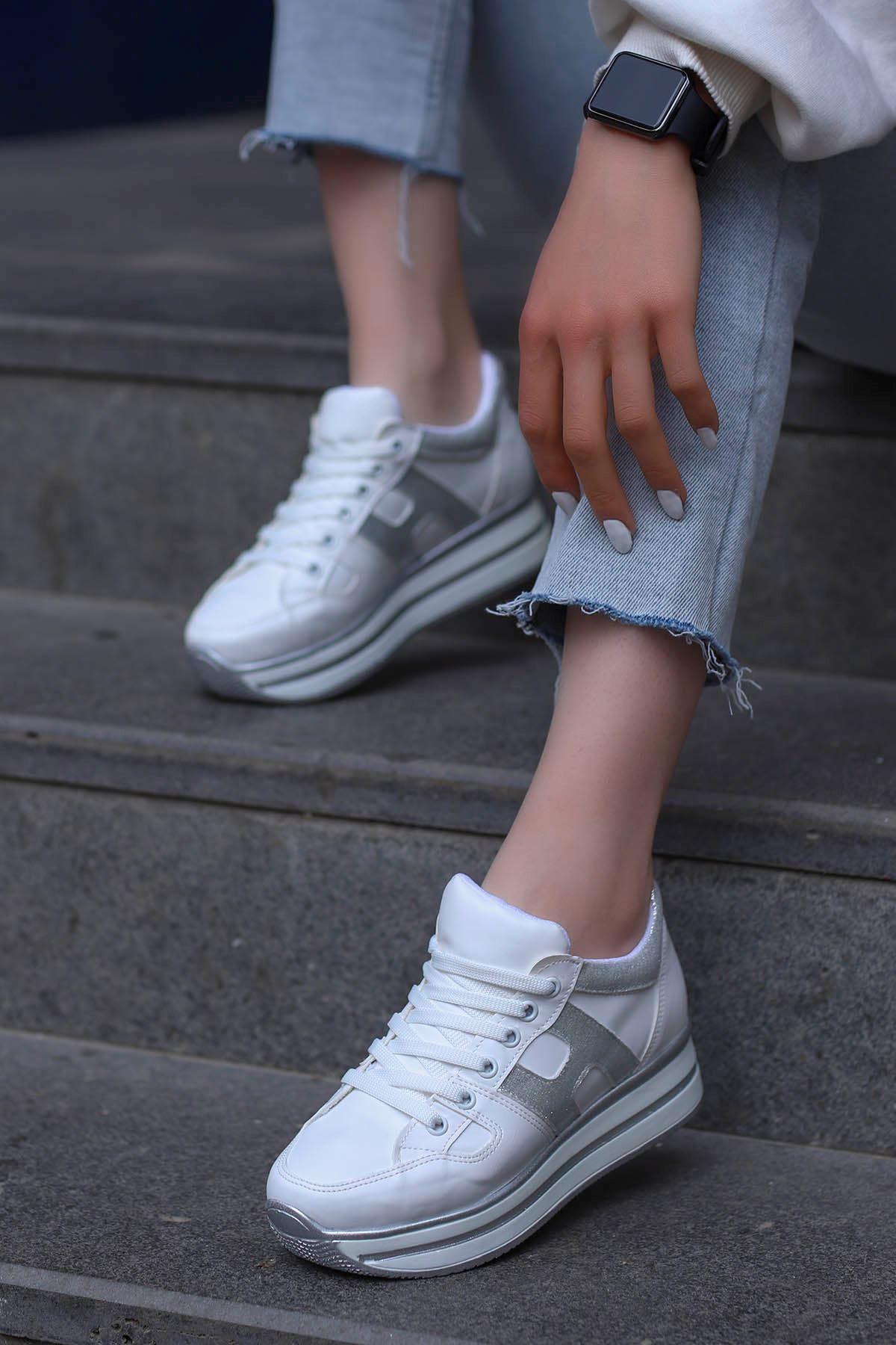 Sofia Spor Ayakkabı Beyaz Gümüş Detay