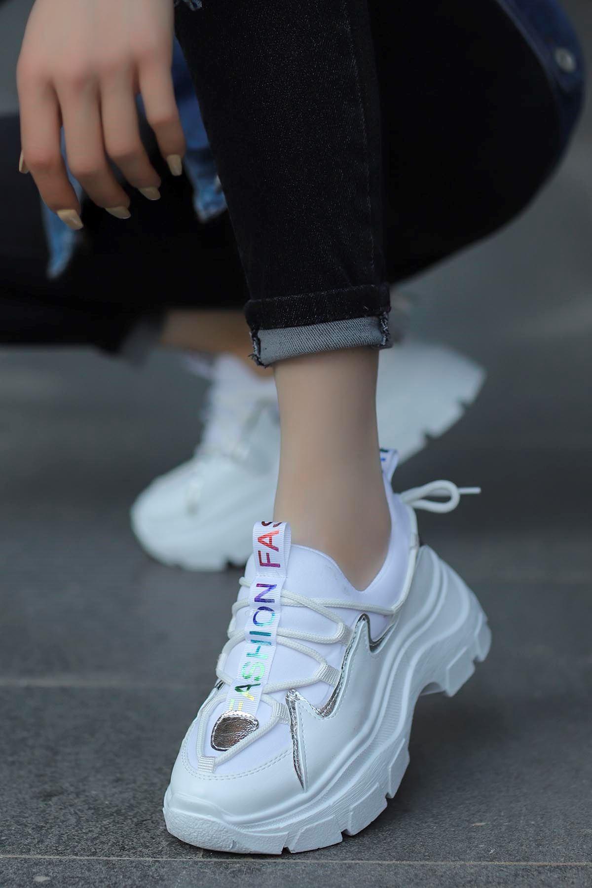 Jennifer Love Tabanlı Spor Ayakkabı Beyaz Hologram
