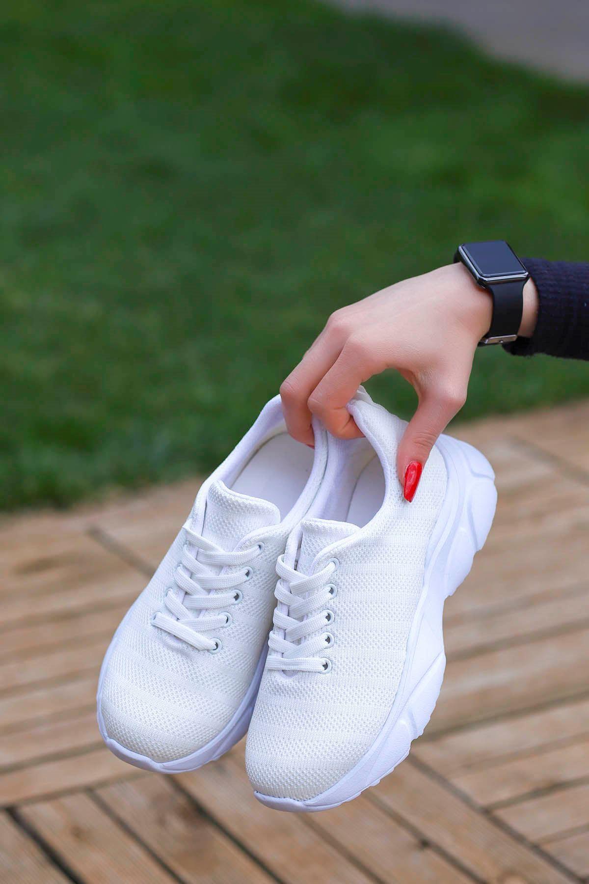 Violet Tabanlı Triko Spor Ayakkabı Beyaz
