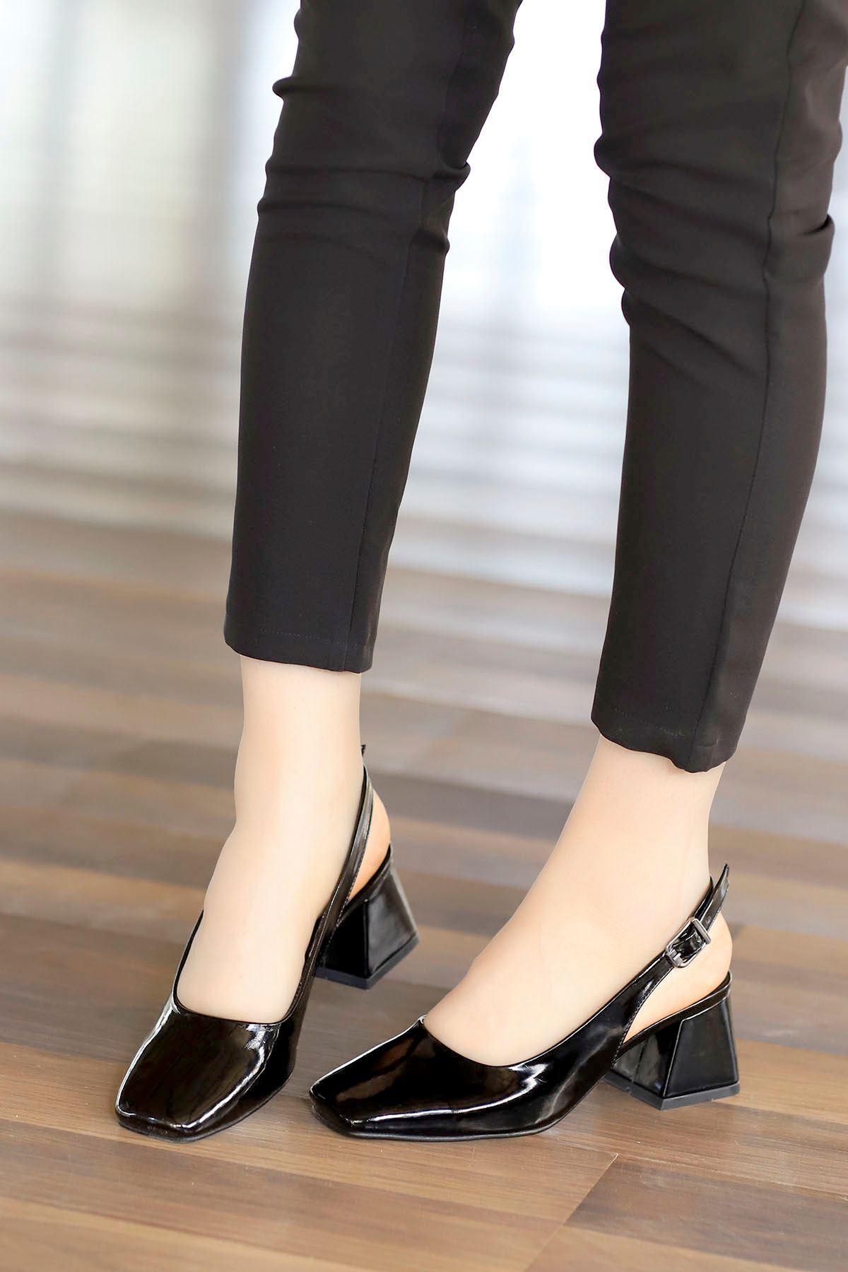 Mabel Arka Açık Topuklu Ayakkabı Siyah Rugan