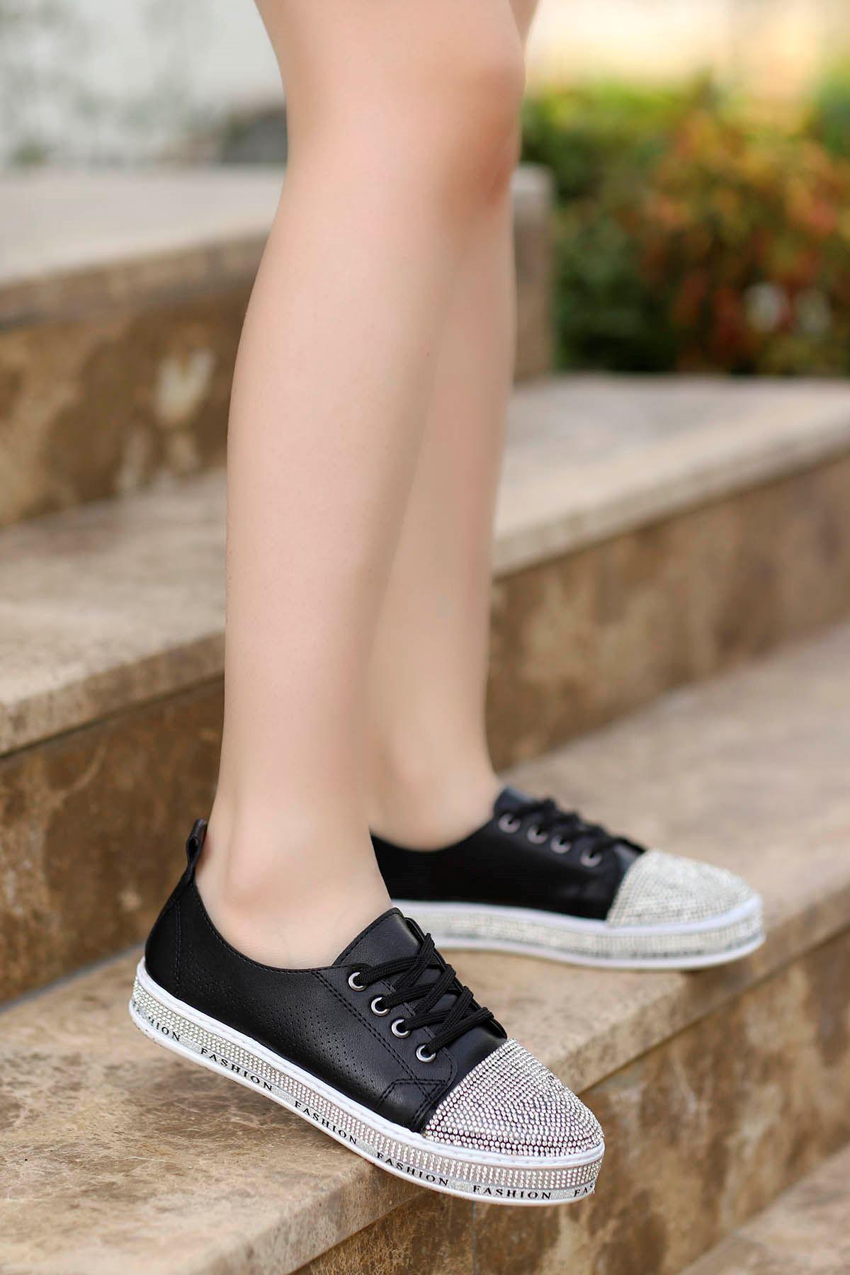 Lisa Taş Detay Spor Ayakkabı Siyah