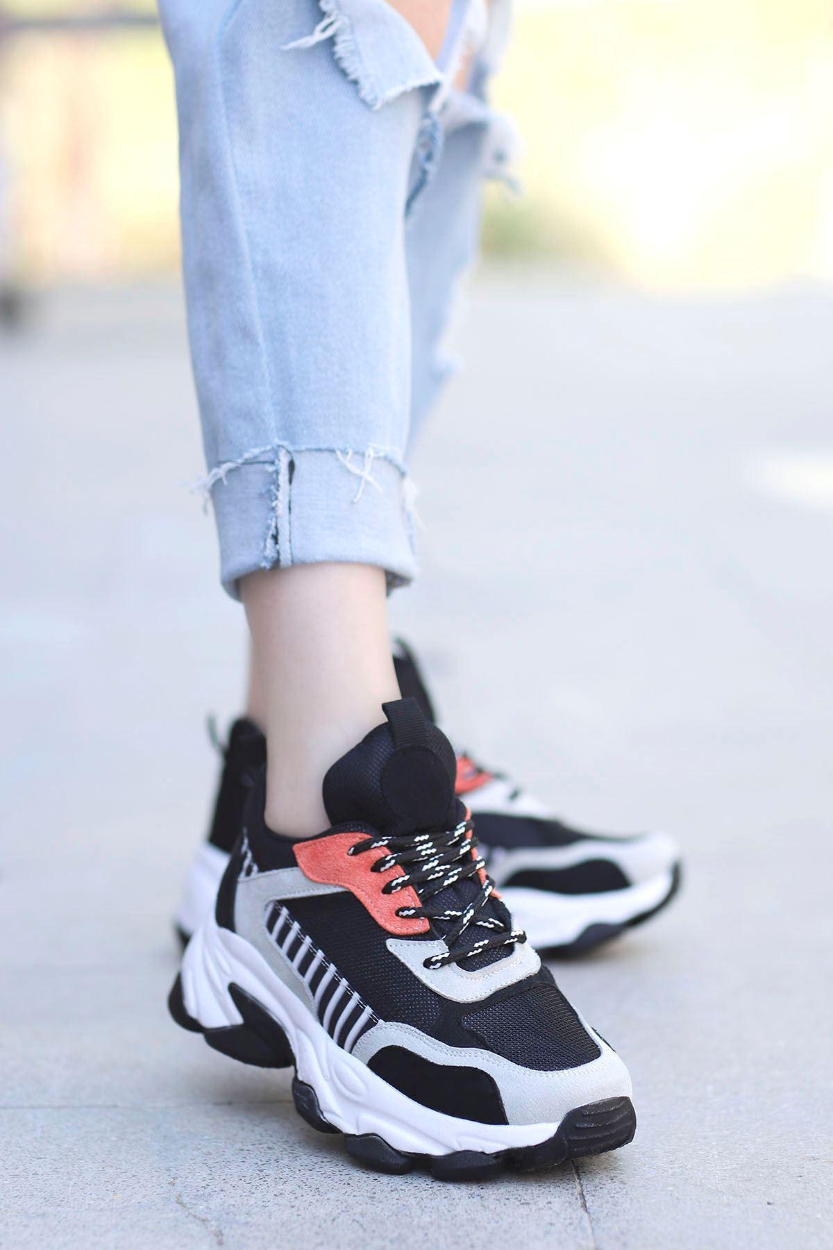 Kuki Tabanlı Spor Ayakkabı Siyah Gri