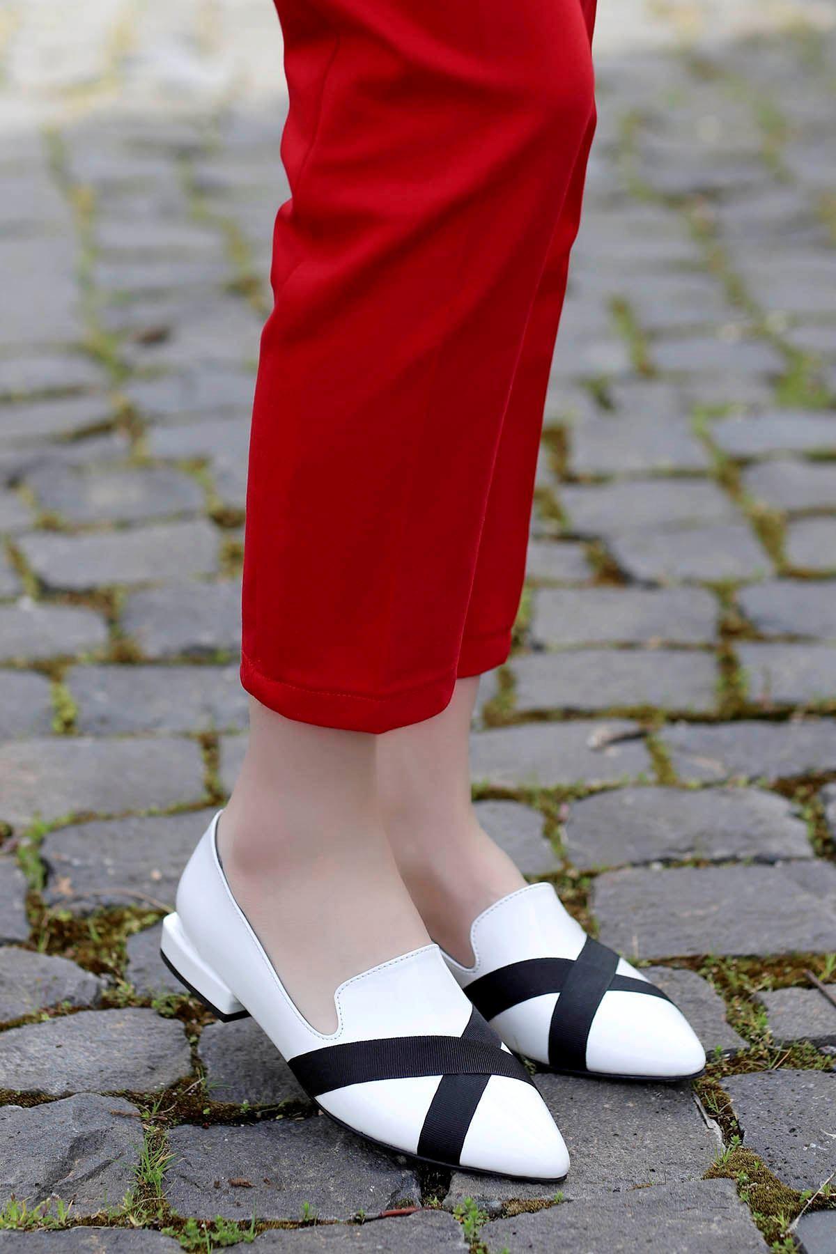 Mary Kemer Detay Babet Beyaz Rugan