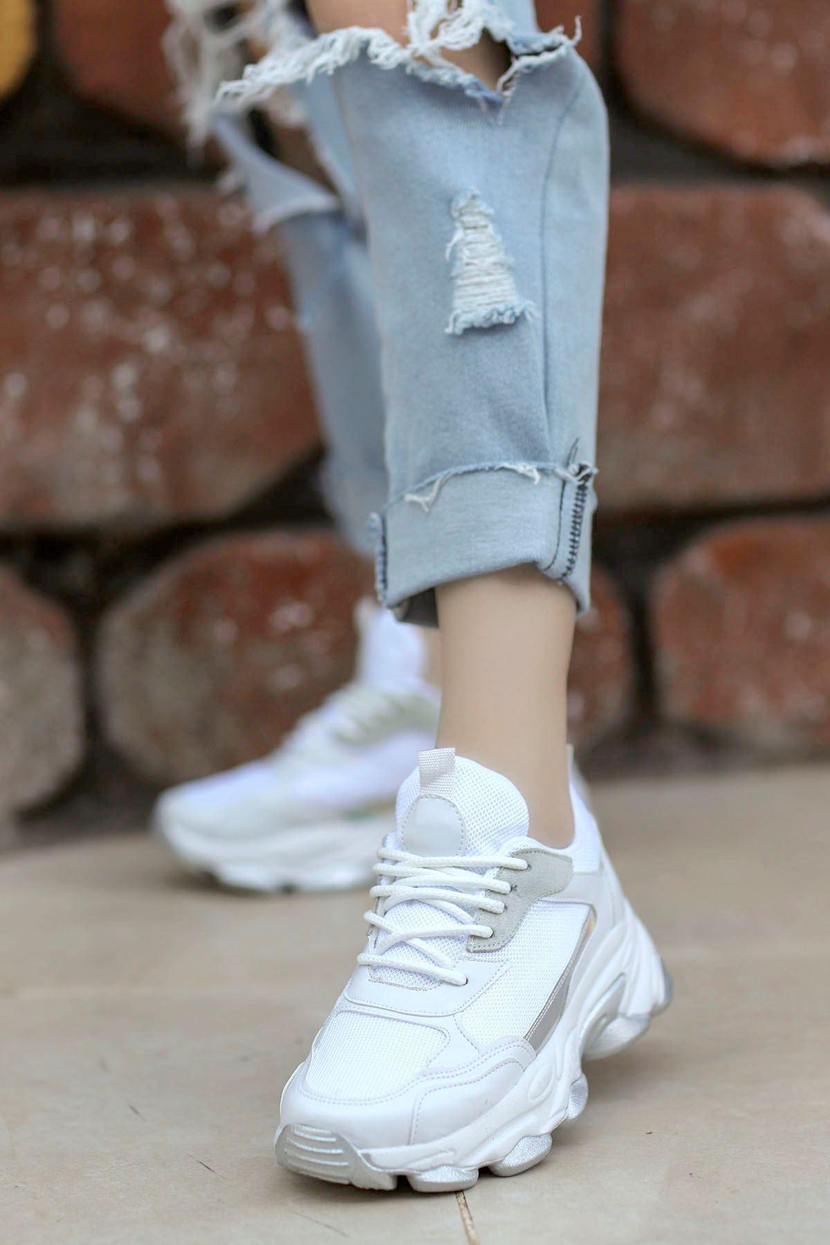 Kuki Tabanlı Spor Ayakkabı Beyaz
