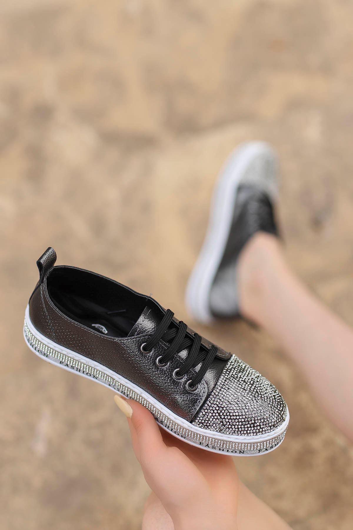 Lisa Taş Detay Spor Ayakkabı Platin