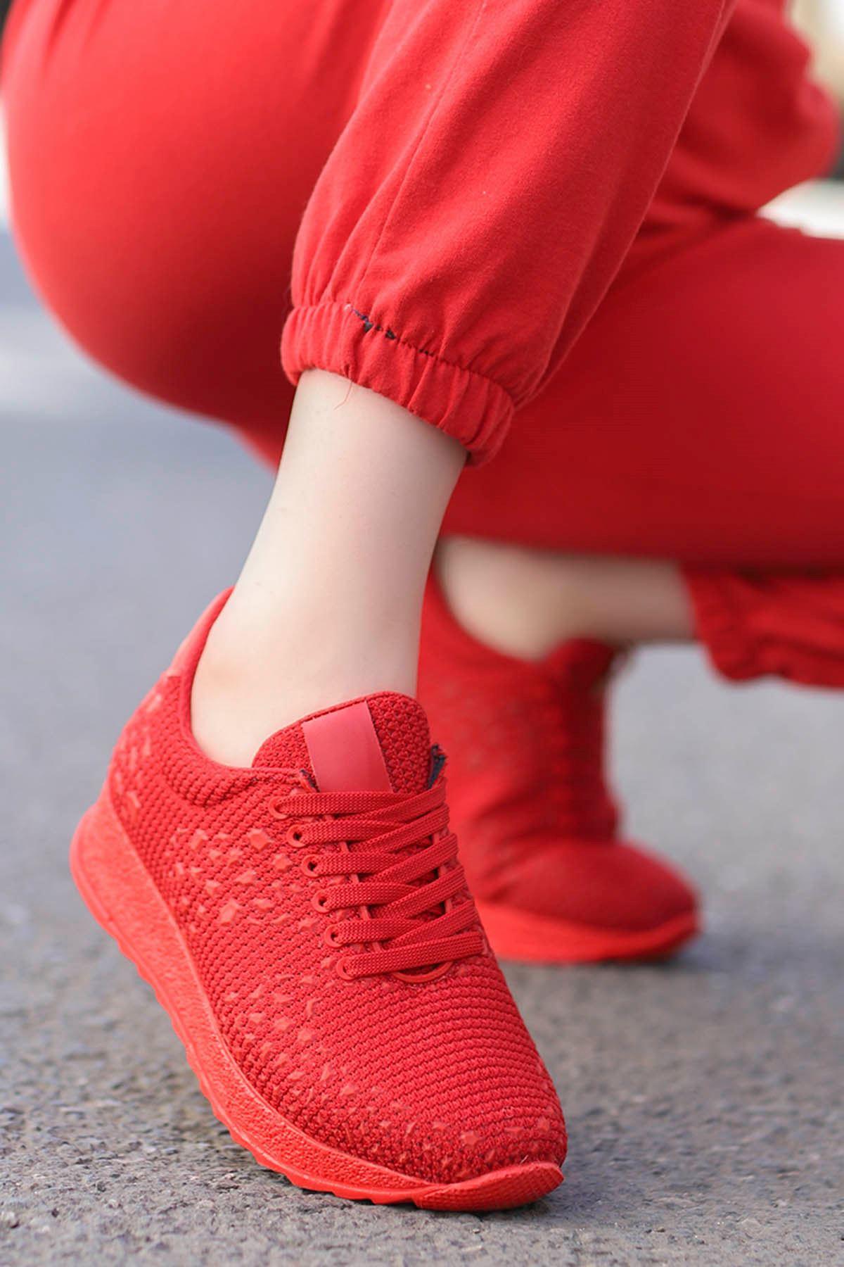 Della Kırmızı Triko Spor Ayakkabı