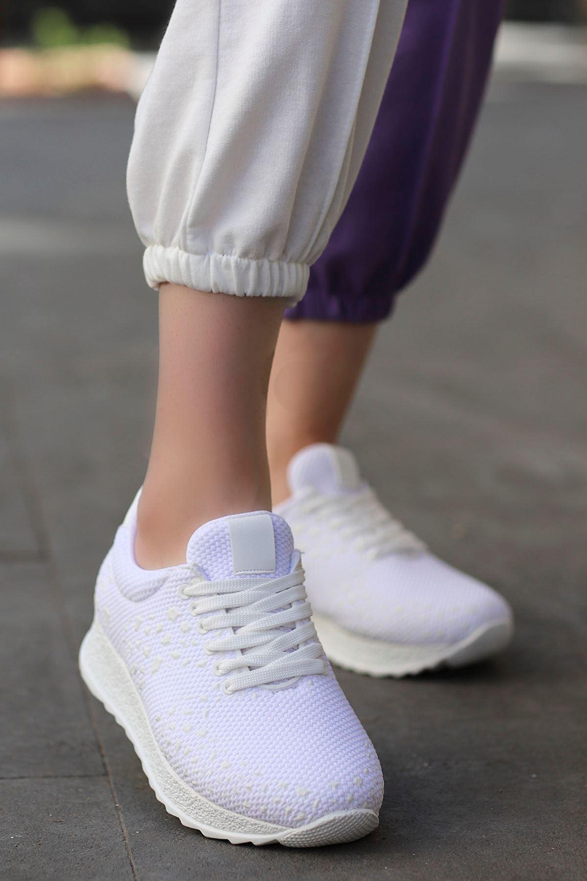 Della Beyaz Triko Spor Ayakkabı