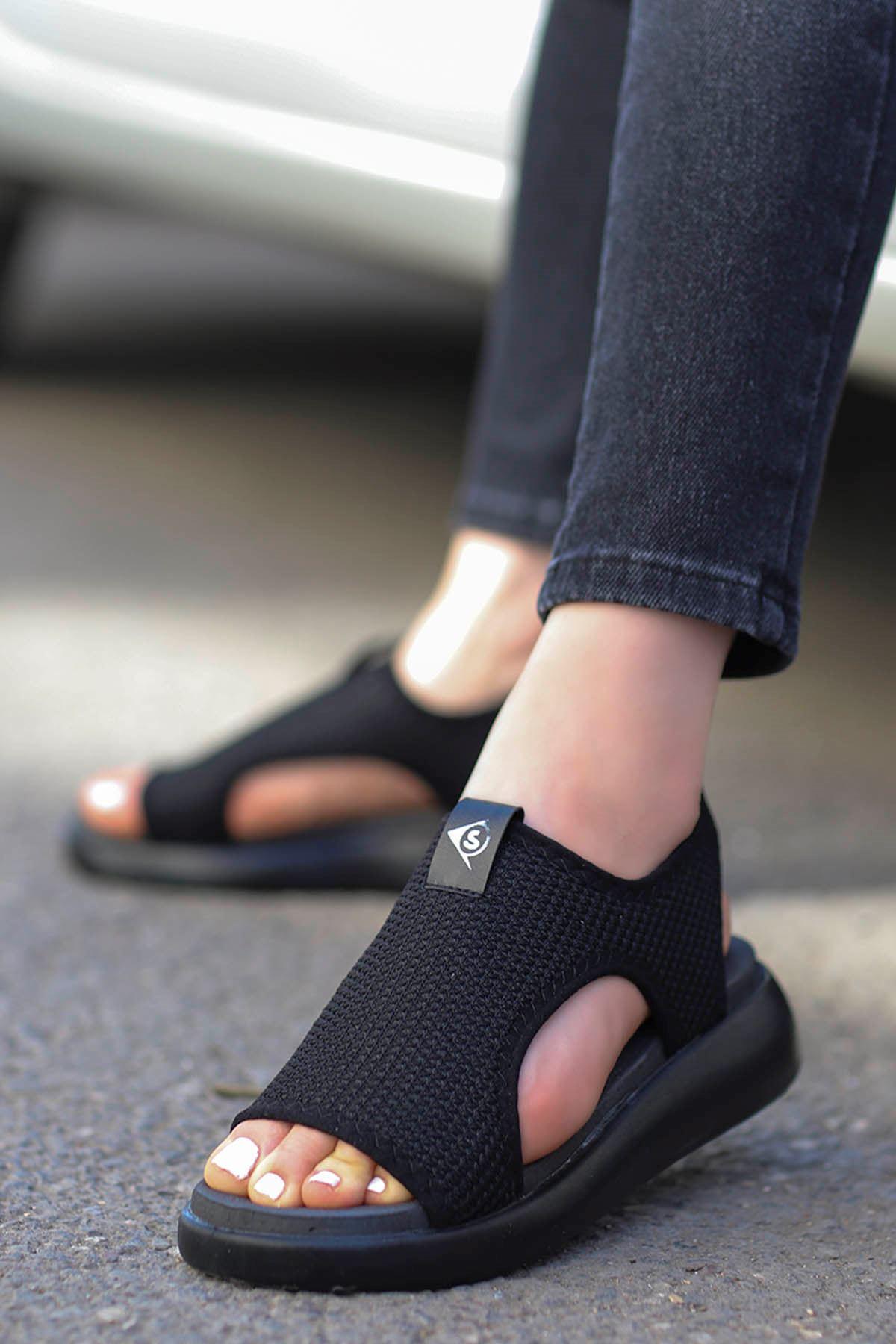 Pinto Triko Sandalet Siyah