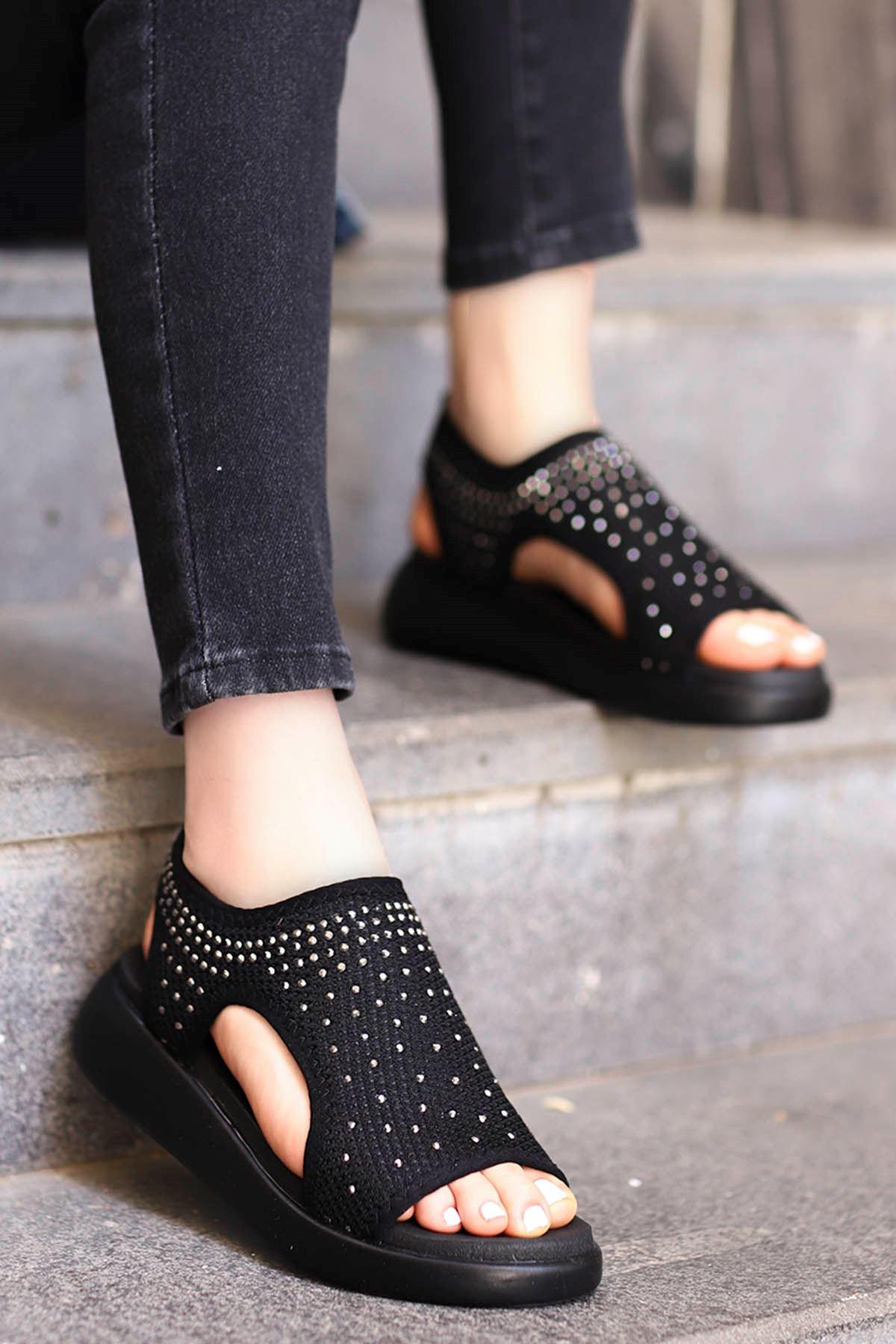 Calli Taşlı Triko Sandalet Siyah