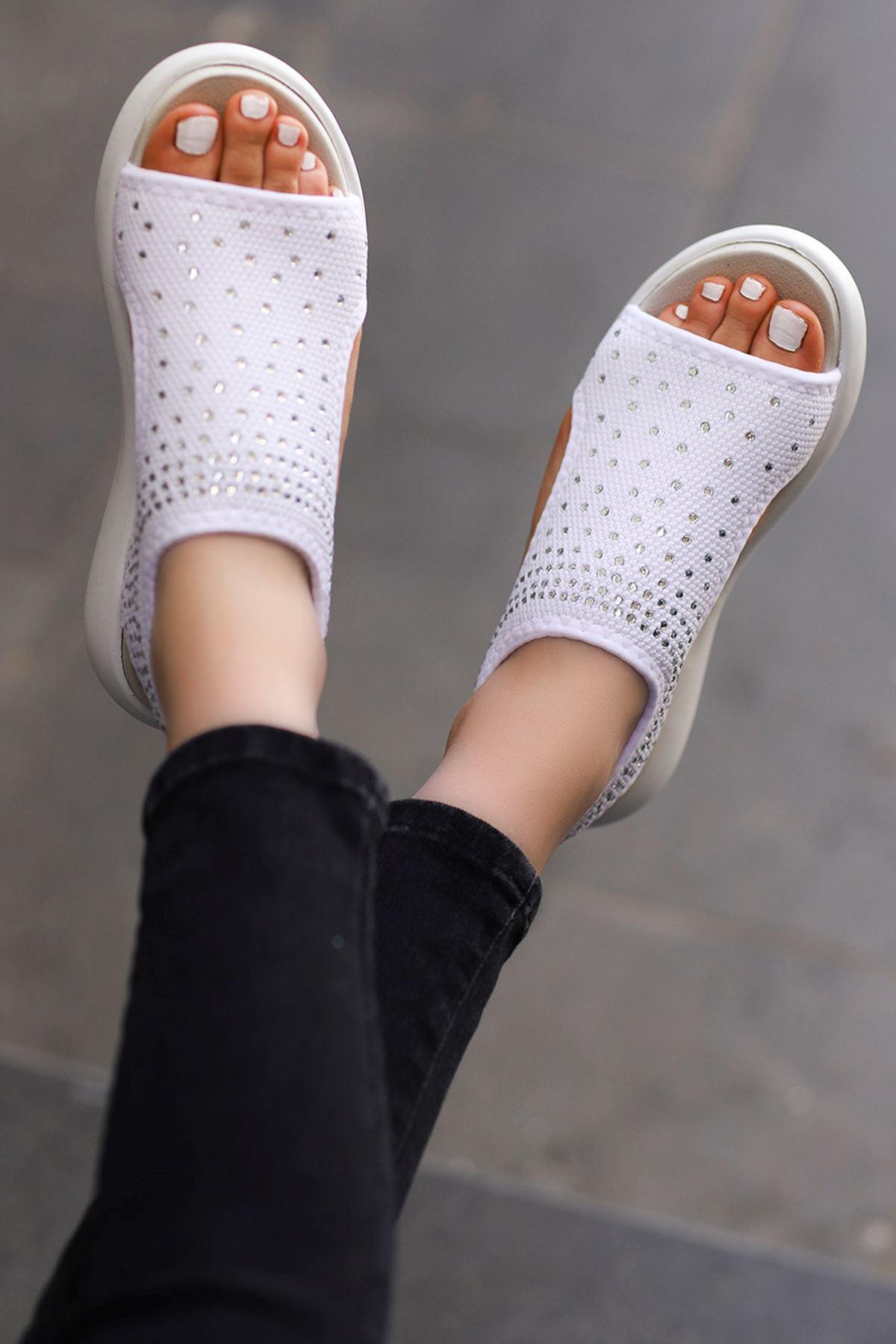 Calli Taşlı Triko Sandalet Beyaz