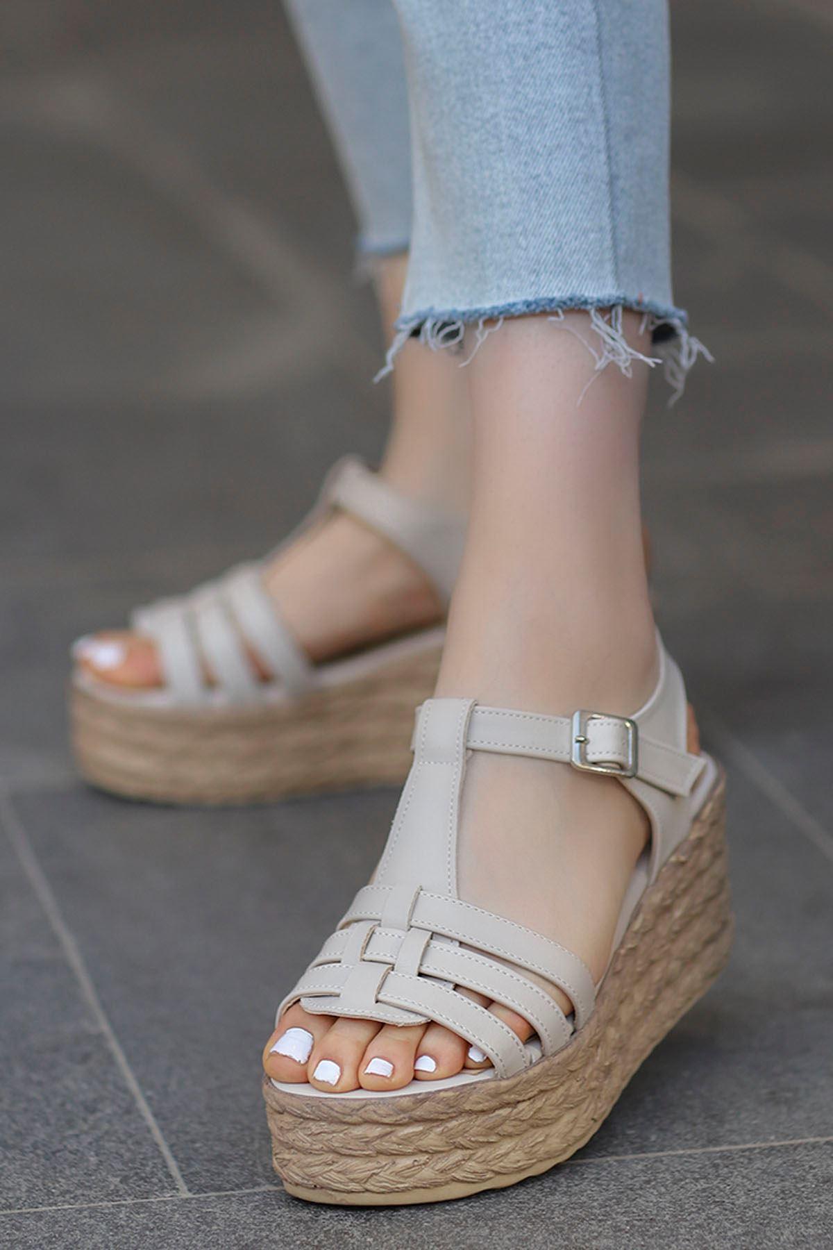 İzabel Dolgu Sandalet Bej