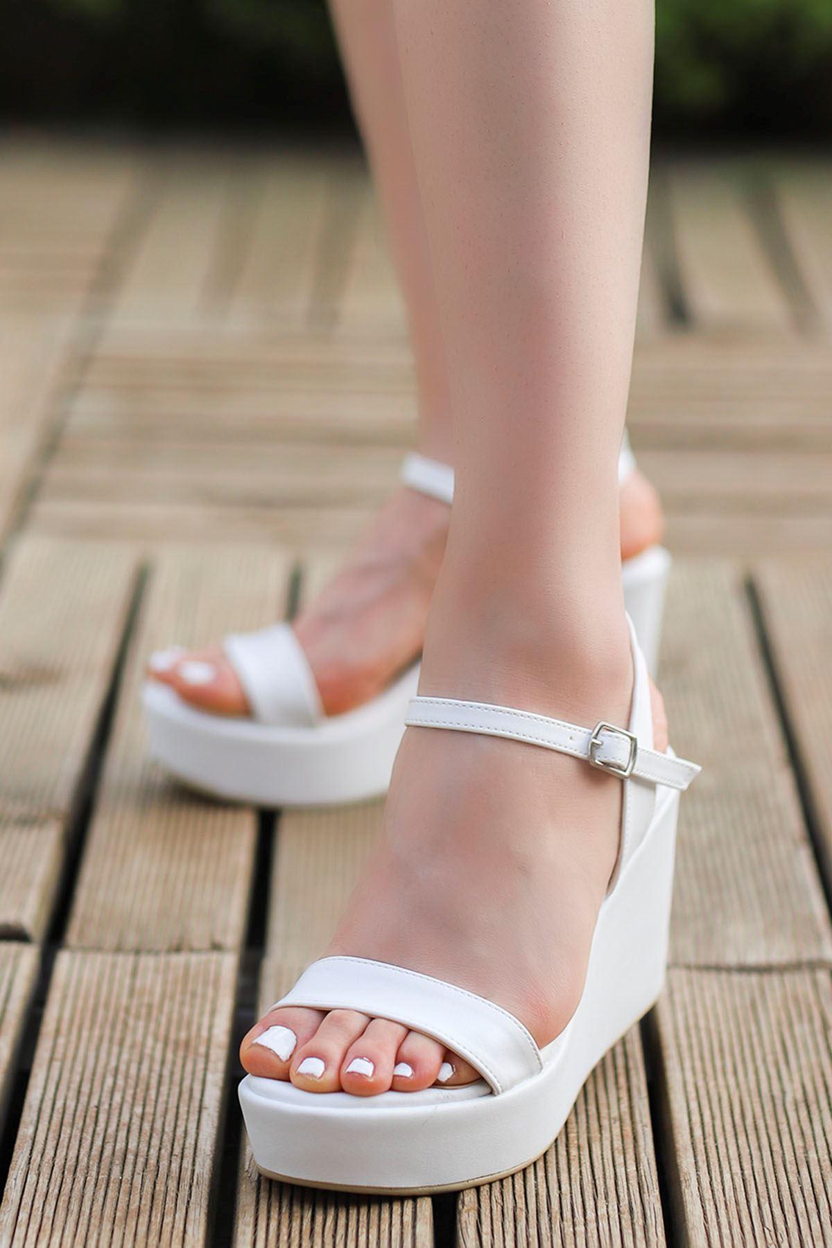 Wilma Dolgu Sandalet Beyaz