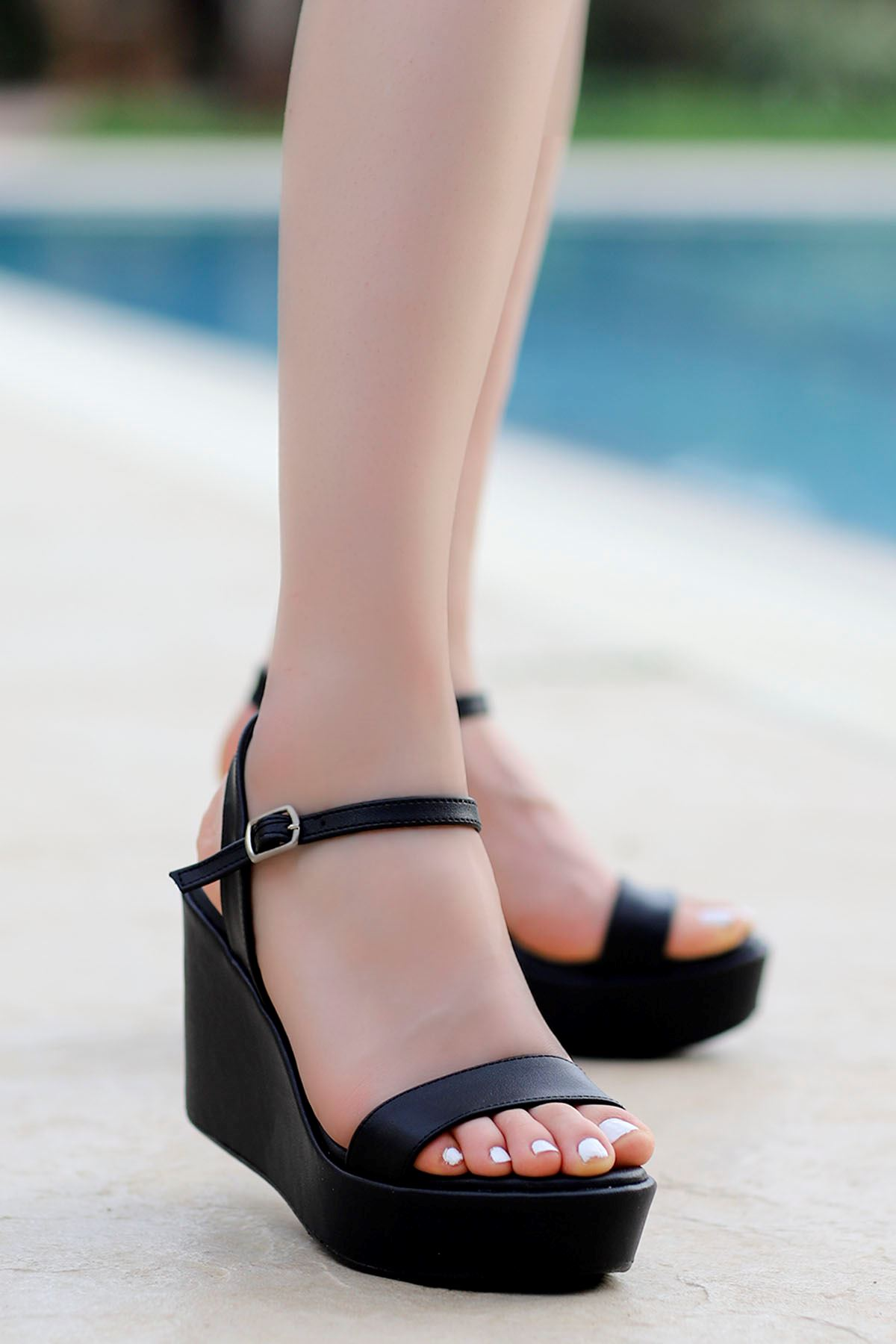 Wilma Dolgu Sandalet Siyah