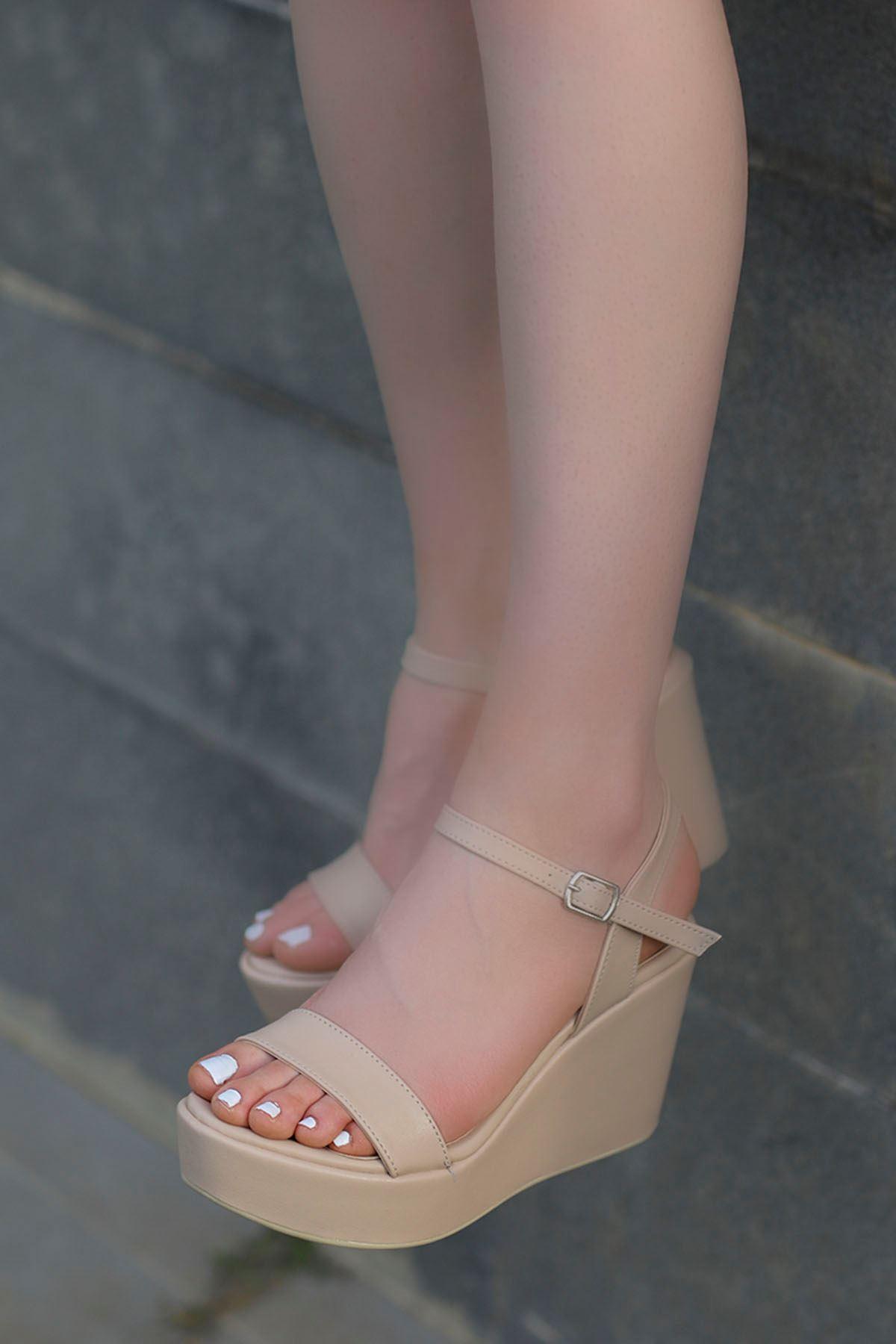 Wilma Dolgu Sandalet Vizyon