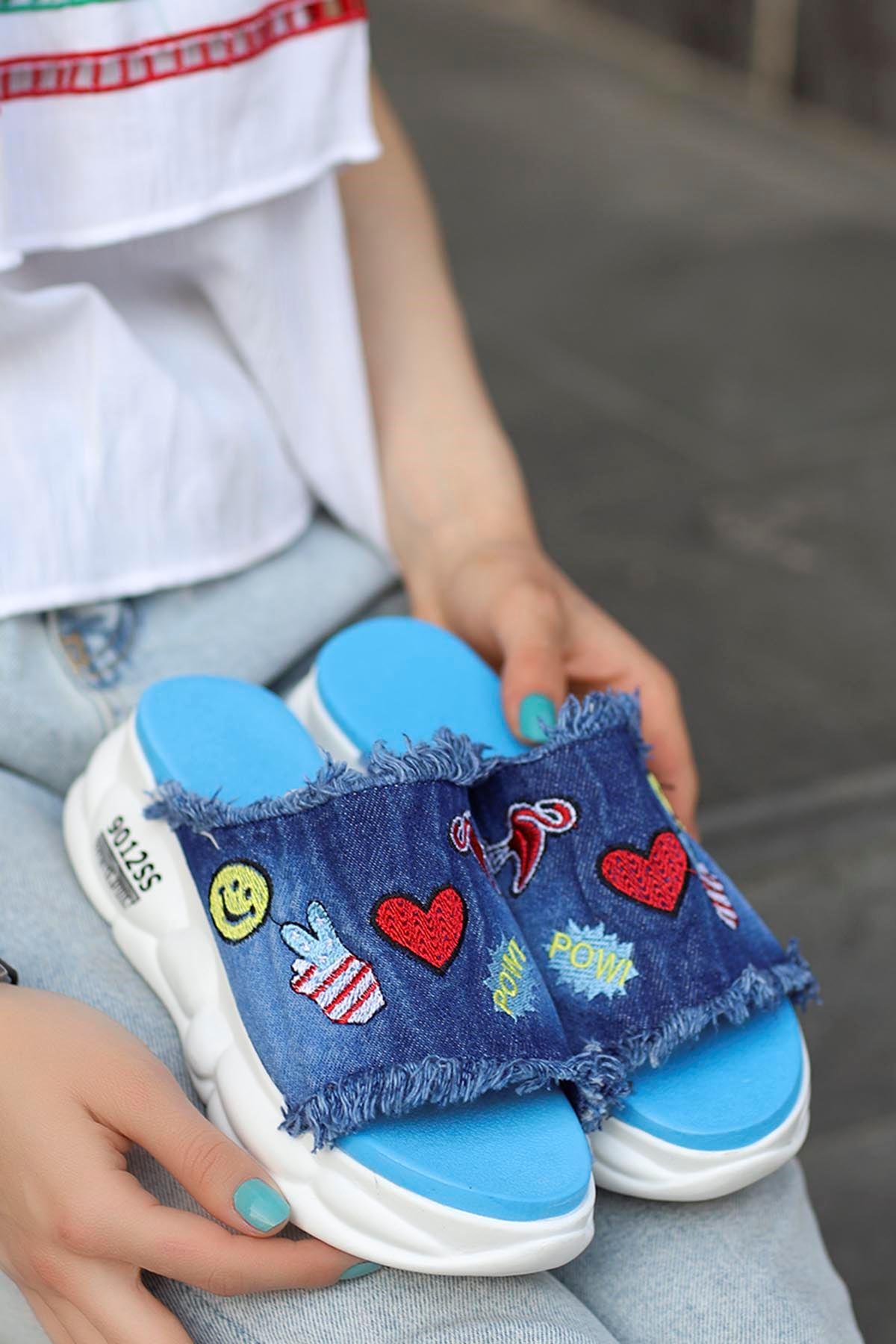 Becca Tabanlı Emojin Kot Terlik Mavi