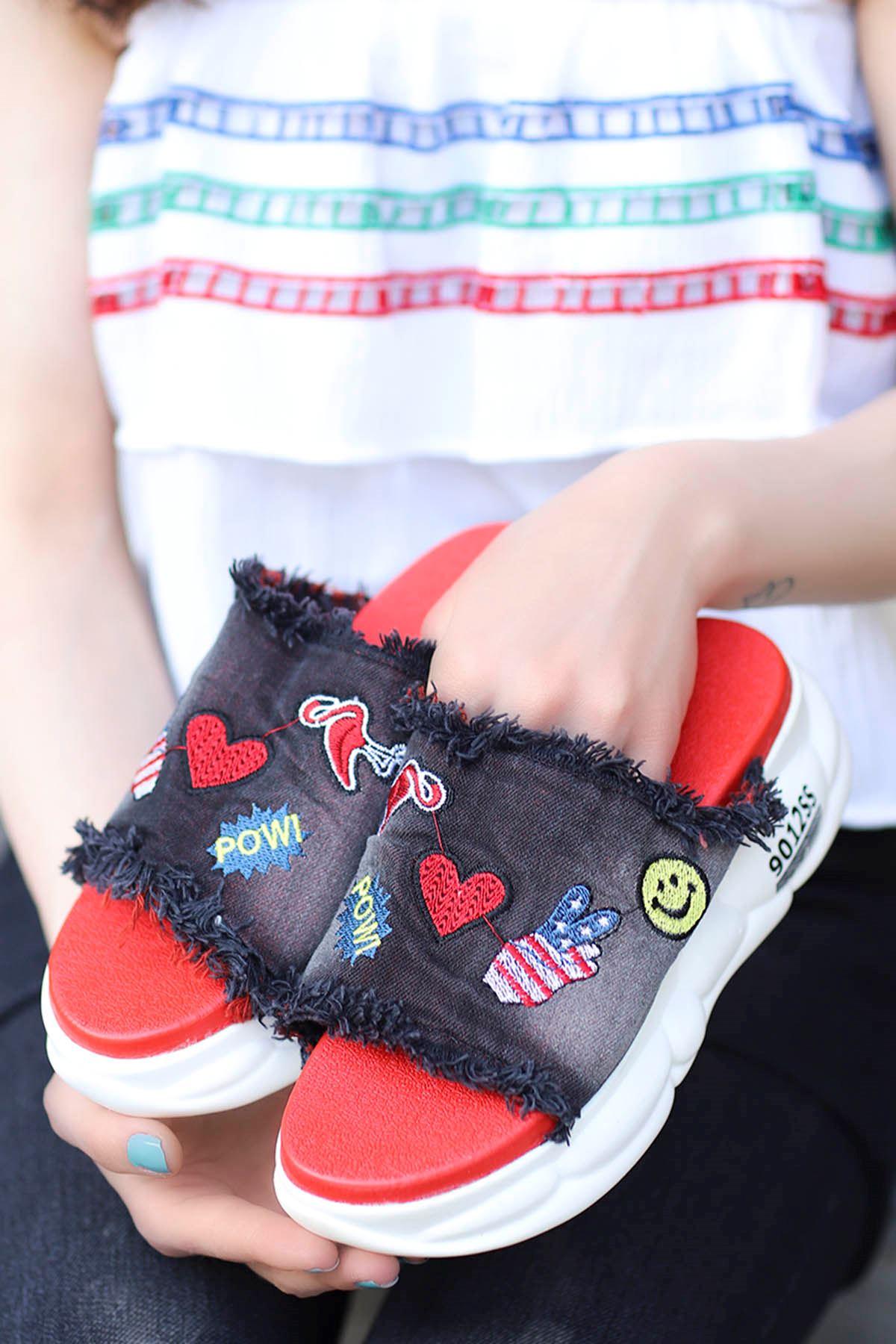 Becca Tabanlı Emojin Kot Terlik Siyah/Kırmızı Taban