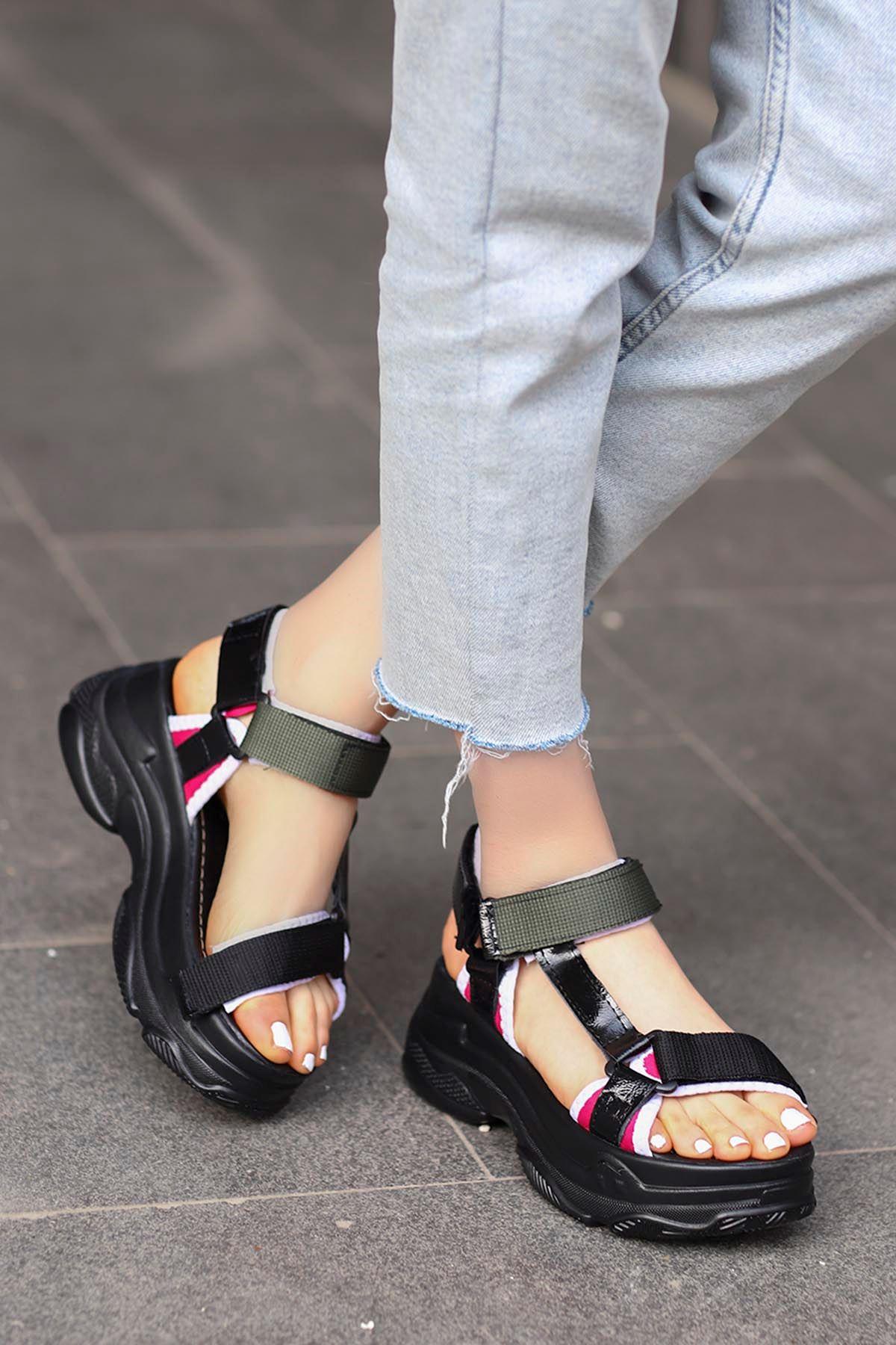 Rafael Dolgu Taban Sandalet Siyah/Yeşil