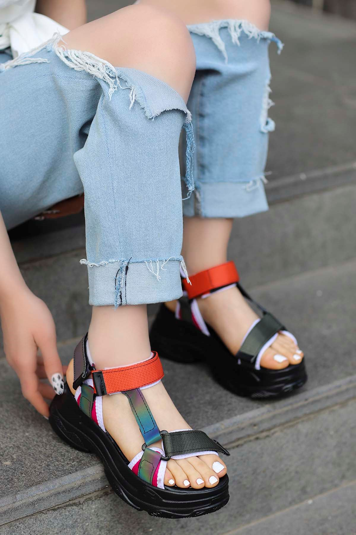 Rafael Dolgu Taban Sandalet Siyah/Turucu