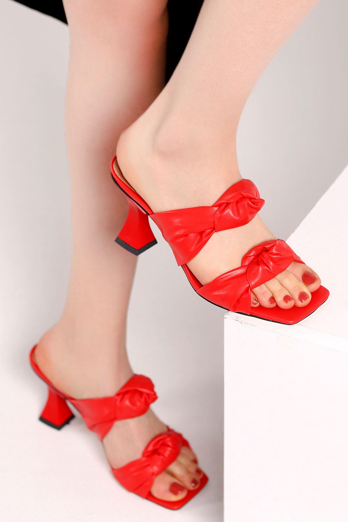 Carline Burgu Kemer Topuklu Terlik Kırmızı