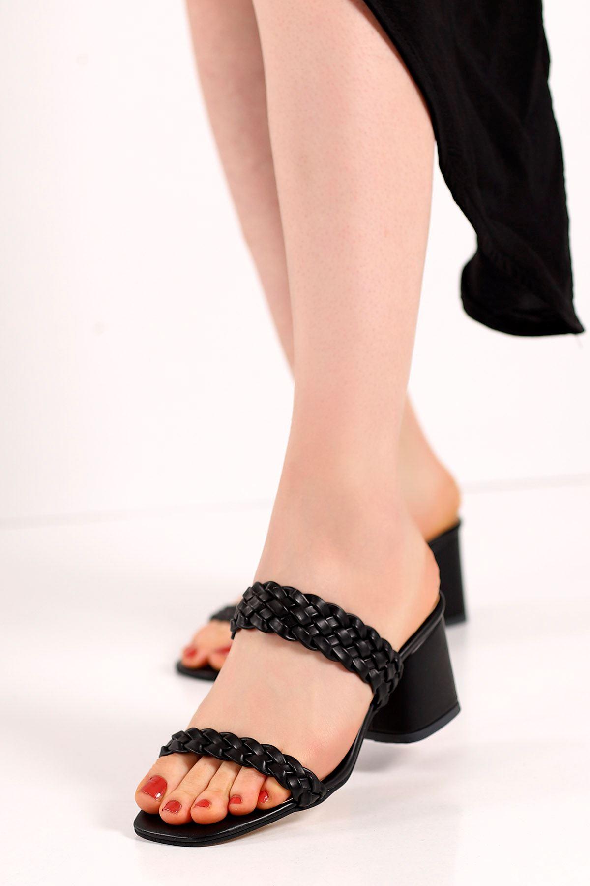 Lambo Örgü Topuklu Terlik Siyah