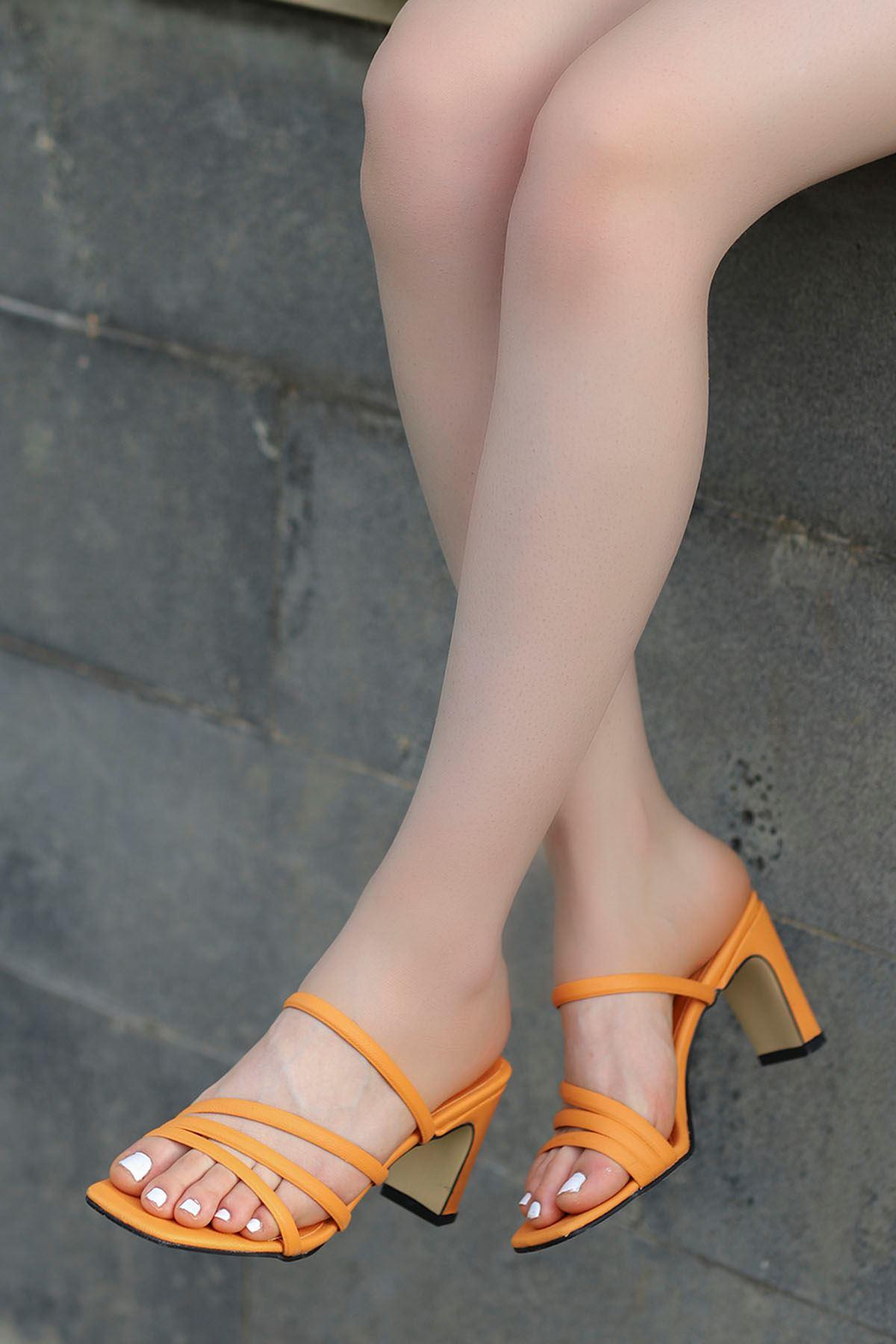 Mabel Bantlı Topuklu Terlik Turuncu