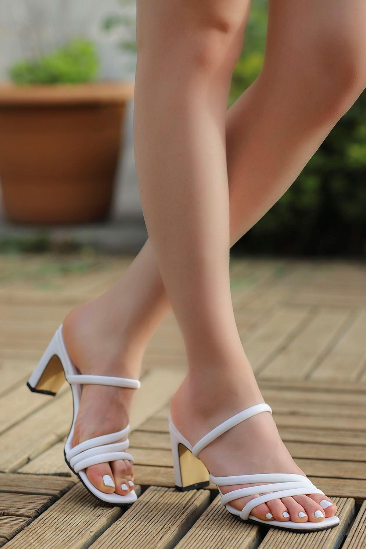 Mabel Bantlı Topuklu Terlik Beyaz