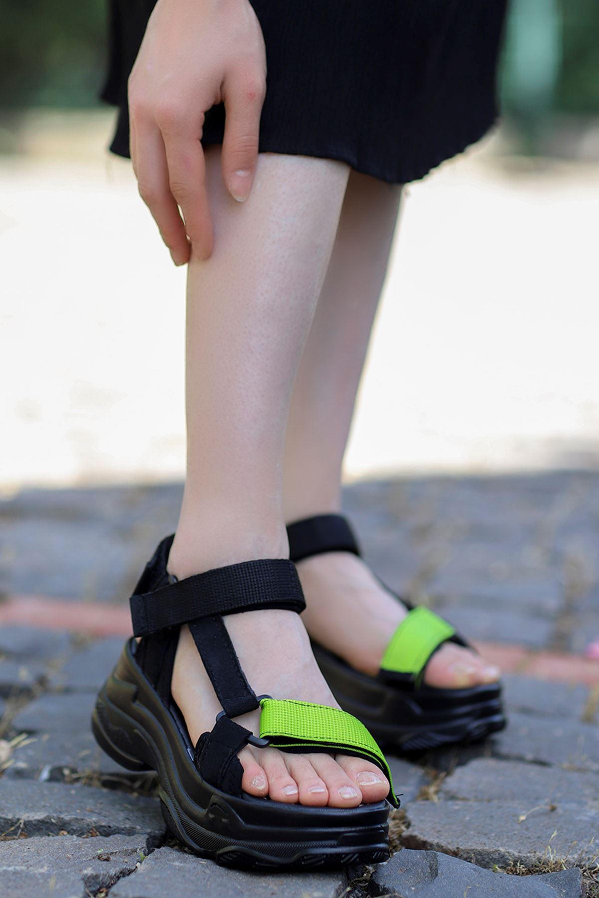 Rafael Dolgu Taban Sandalet Siyah-Ön Bant Çim Yeşil