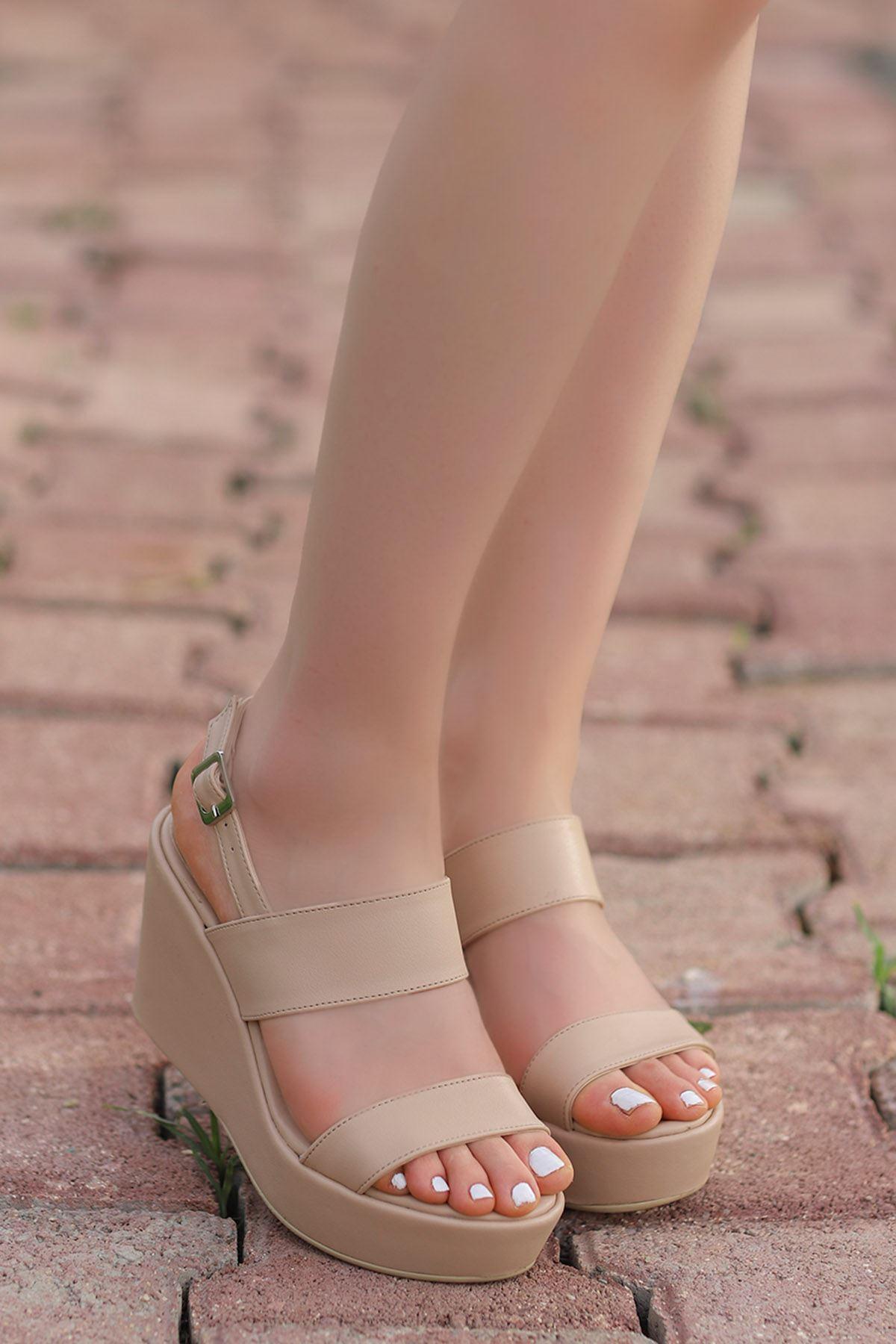 Alina Dolgu Sandalet Vizyon